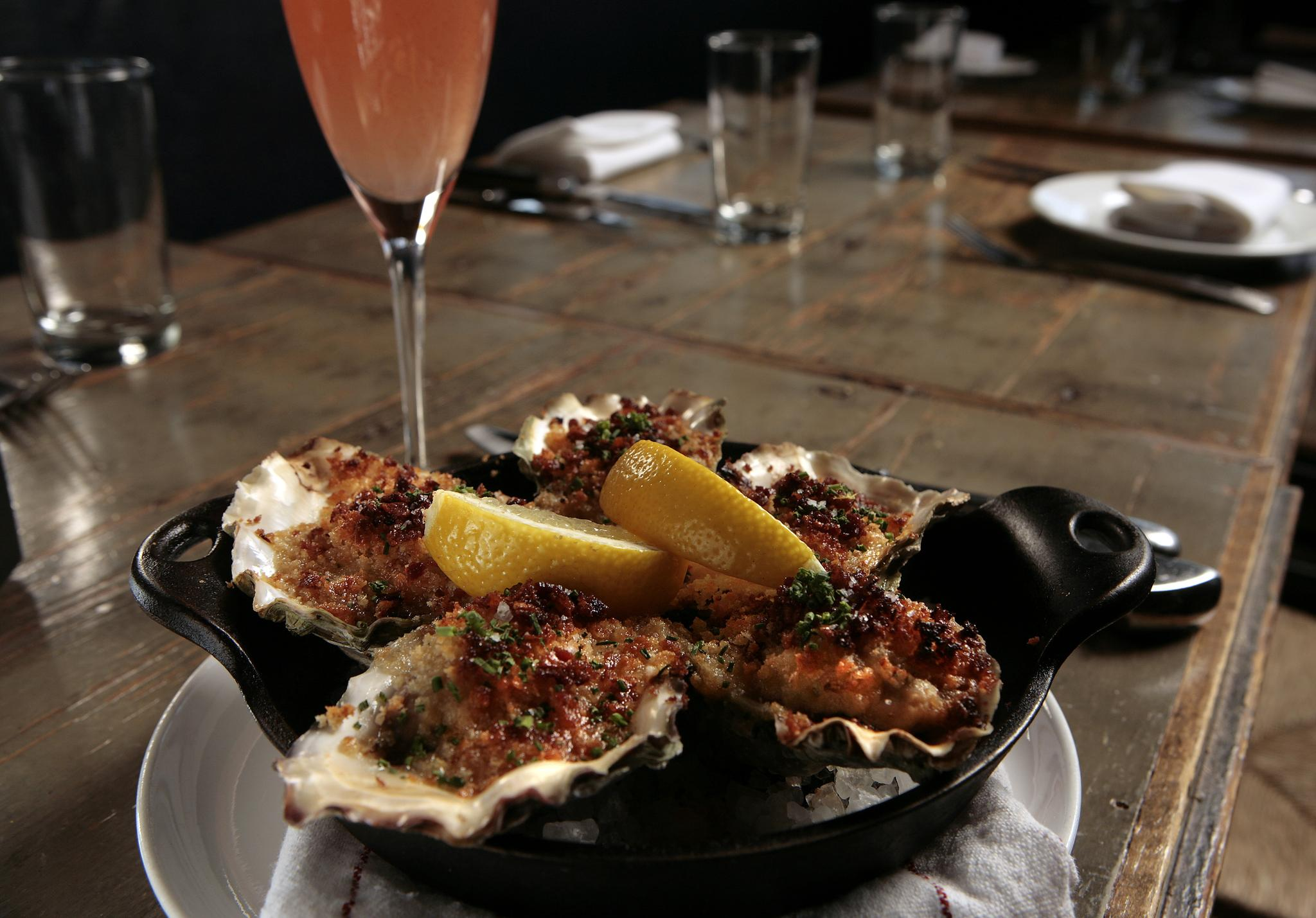 Marlowe is a stylish and lively restaurant serving Californian comfort food in a hip, sprawling space.