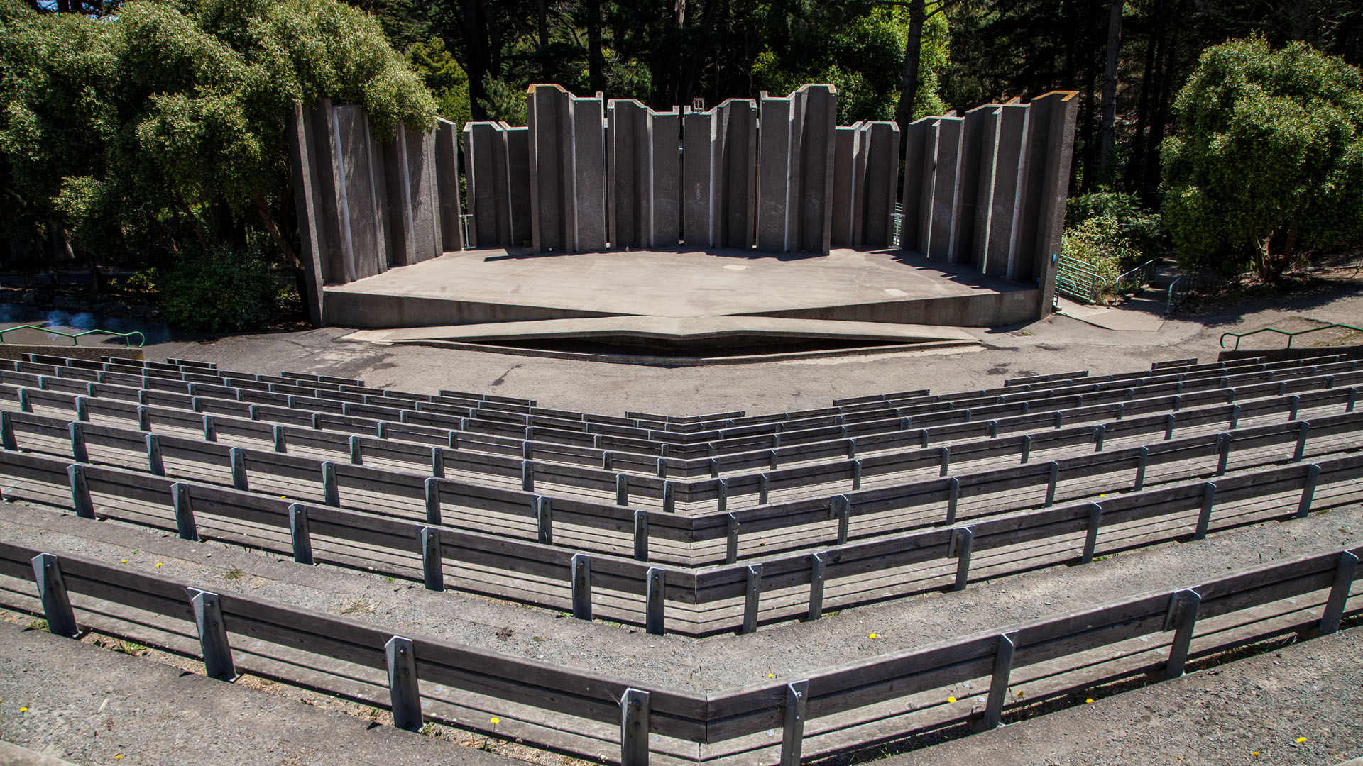 Located within John McLaren Park, the Greek-style Jerry Garcia Amphitheater named after Grateful Dead member Jerry Garcia is known for its outstanding acoustics.