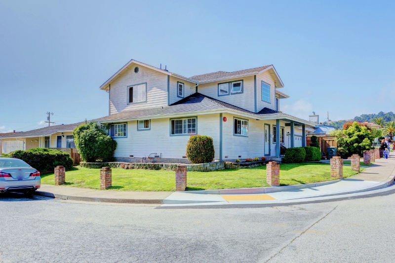 Sold at $1,350,000<strong>137 Romney Avenue, South San Francisco</strong>