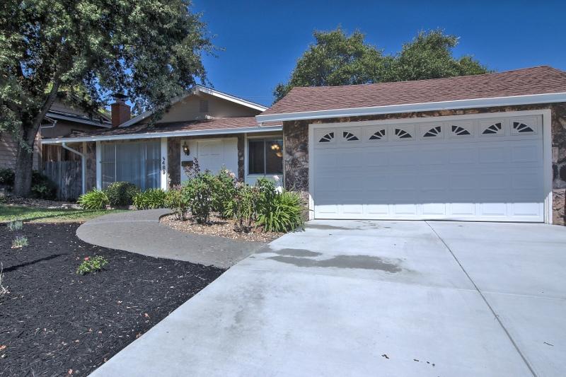 Sold at $375,000<strong>489 La Cresta Drive, Vacaville</strong>