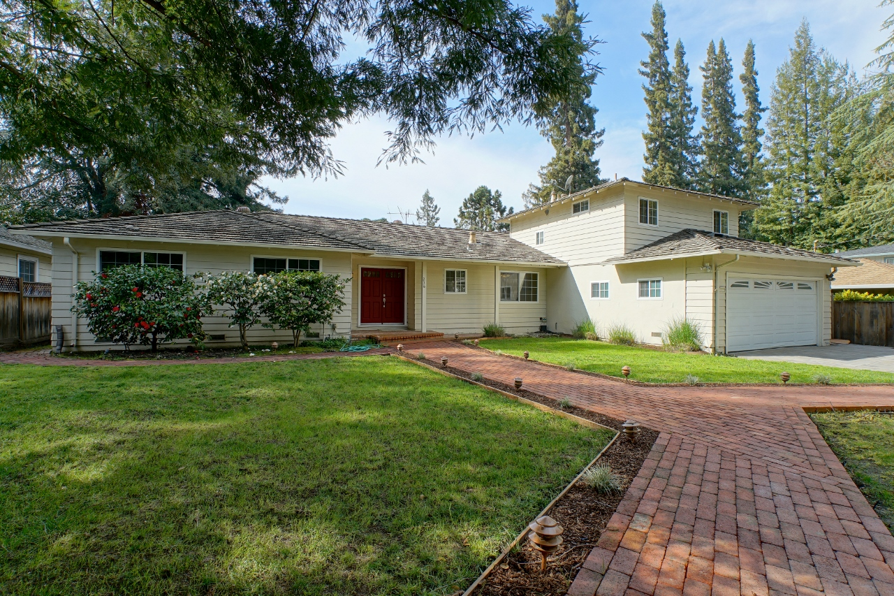 Sold at $2,330,000<strong>236 Selby Lane, Atherton</strong>