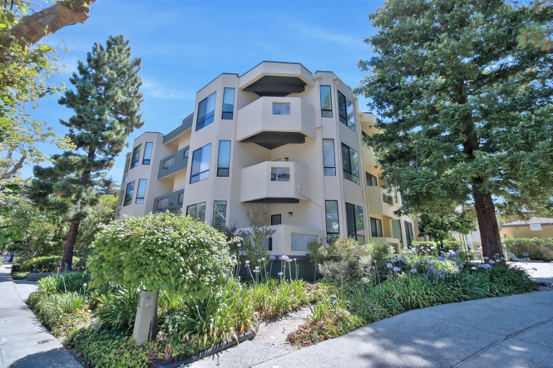 Sold at $1,318,889<strong>1457 Bellevue Avenue #8, Burlingame</strong>