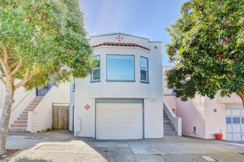 Sold at $1,050,000<strong>279 Broad Street, San Francisco</strong>