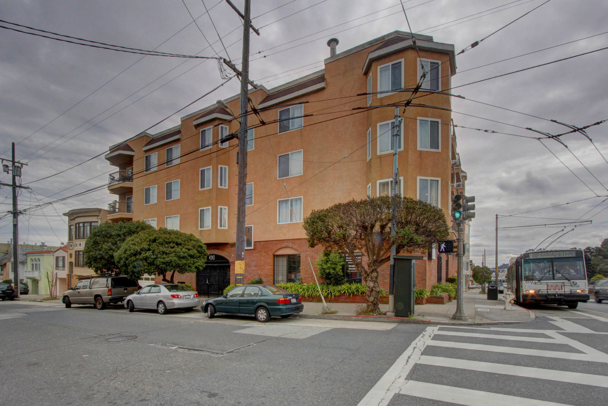 Sold at $628,000<strong>490 33rd Avenue #201, San Francisco</strong>