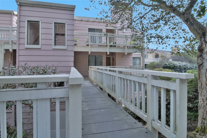 Sold at $627,000<strong>408 Oak Court, Daly City</strong>