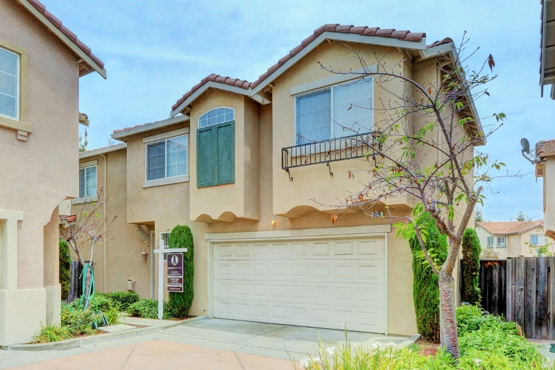 Sold at $600,000<strong>205 Accolade Drive, San Leandro</strong>