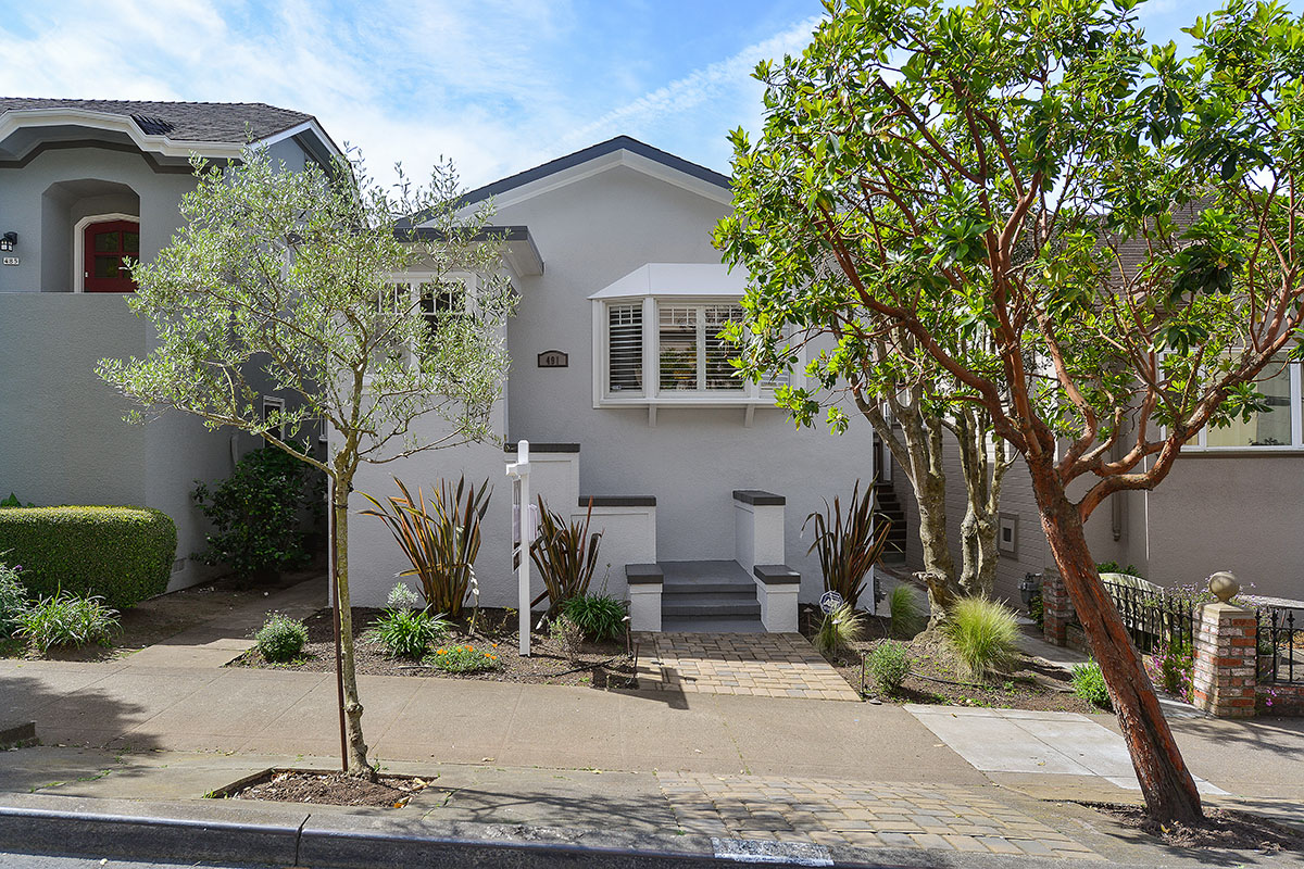 Sold at $1,200,000<strong>491 Ulloa Street, San Francisco</strong>