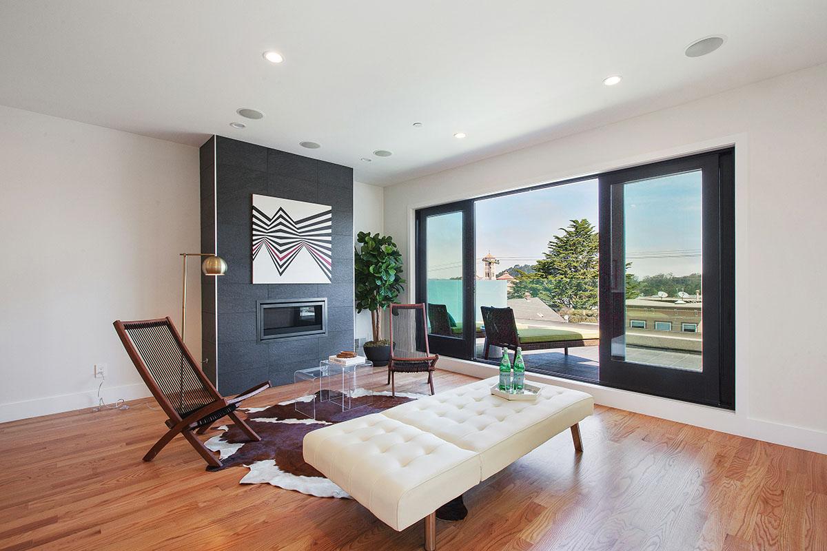 Sold at $1,650,000<strong>717 Kirkham Street, San Francisco</strong>