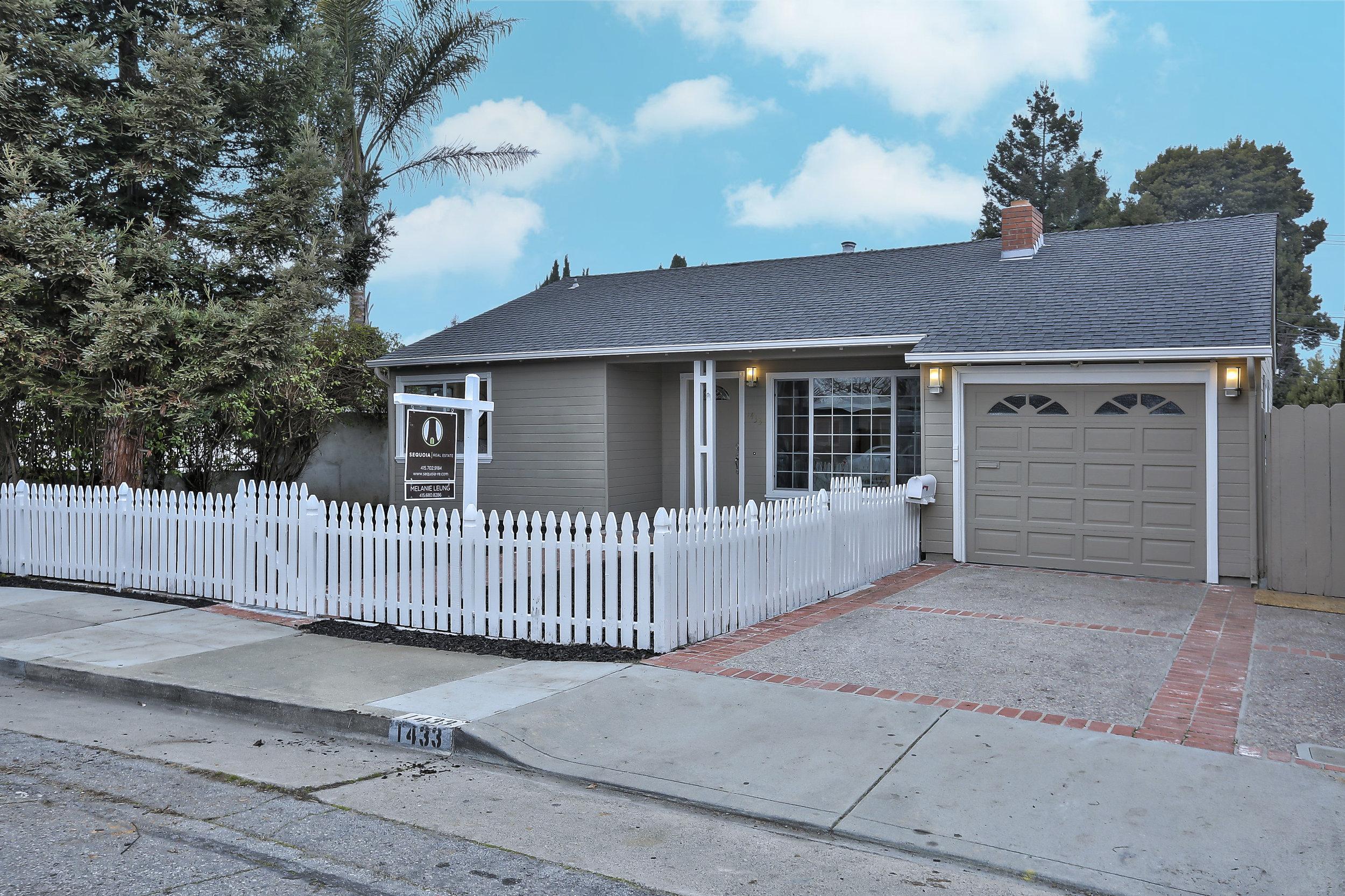 Sold at $1,208,000<strong>1433 Hemlock Avenue, San Mateo</strong>