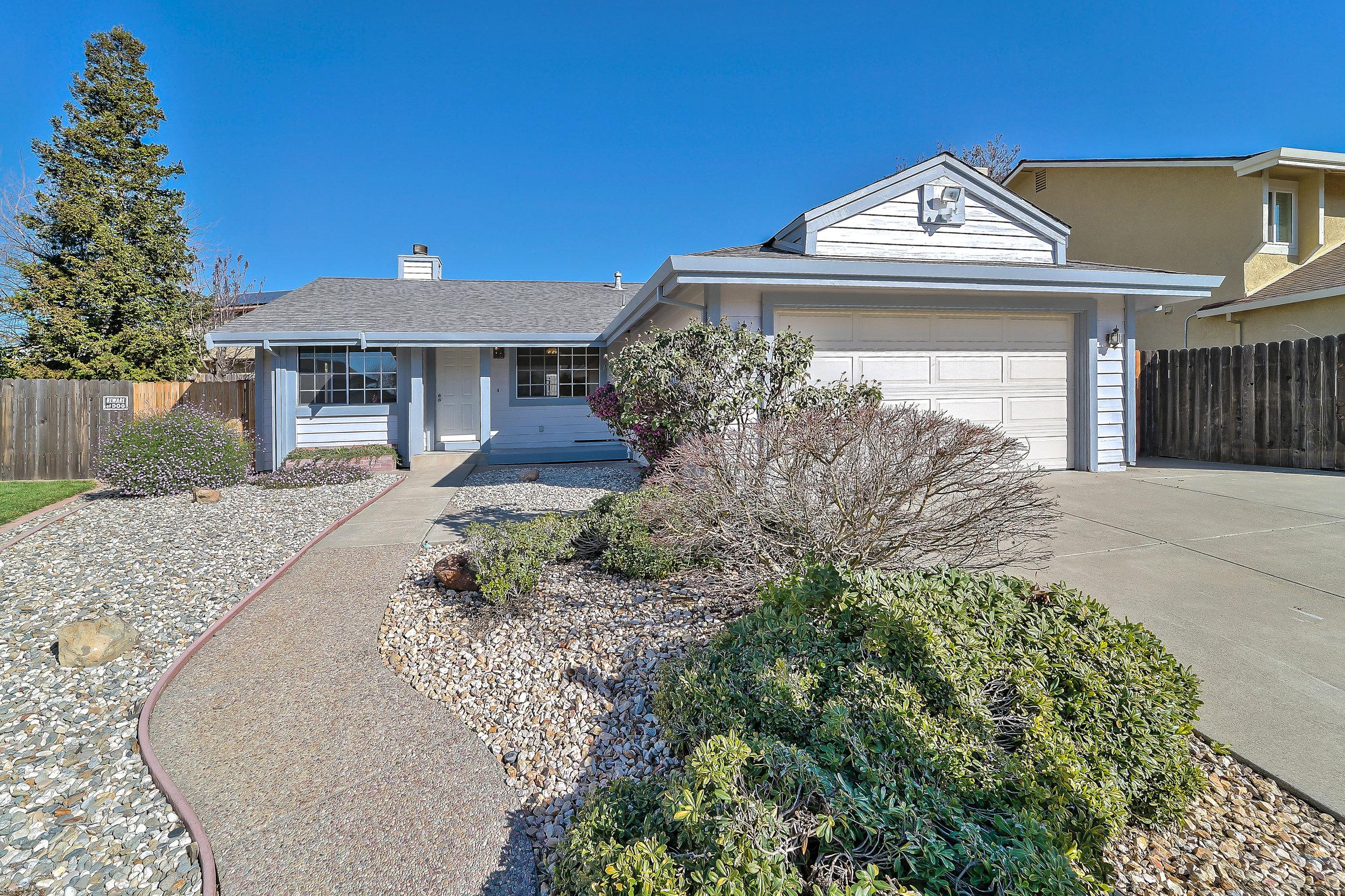 Sold at $435,000<strong>425 Tara Court, Vacaville</strong>