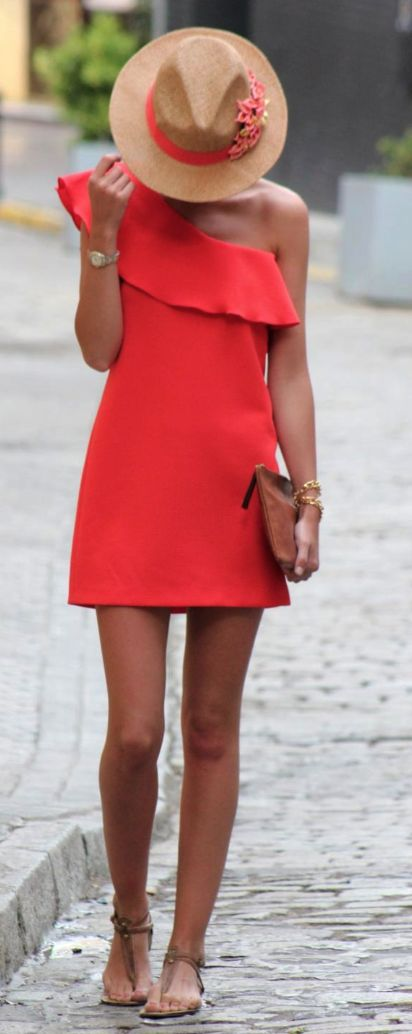 Summer styles pop with life using vibrant colors and just a feeling of fresh and bright. Just wearing a dress like this can lighten your spirit!