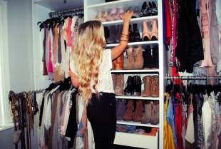 How to Look Rich With a Small Budget Wardrobe  by The Frugal Model. Source credit: thefrugalmodel.com