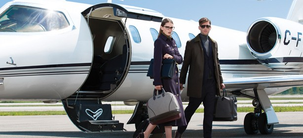 If you understand what makes clothes appear high quality and rich, you can look like you have a jet-set lifestyle wardrobe   with an economy class price tag. Image credit:  mixtemagazine.ca