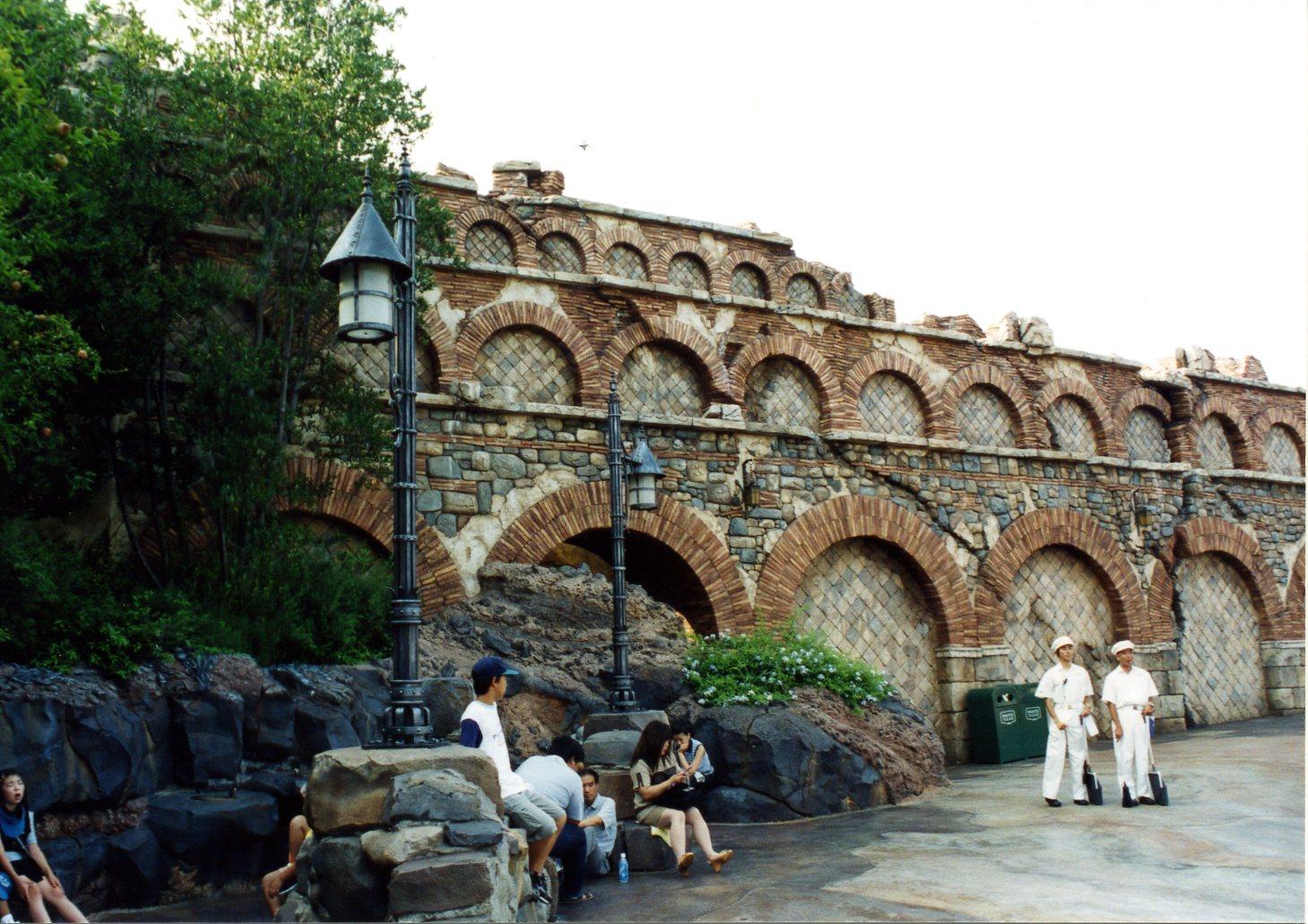 Aquaduct (2).jpg