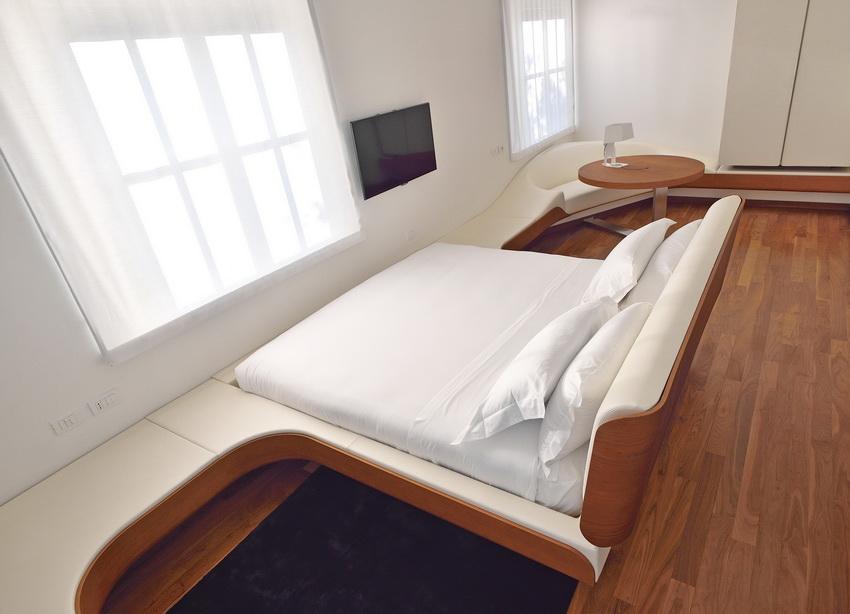 Offset Guest Room
