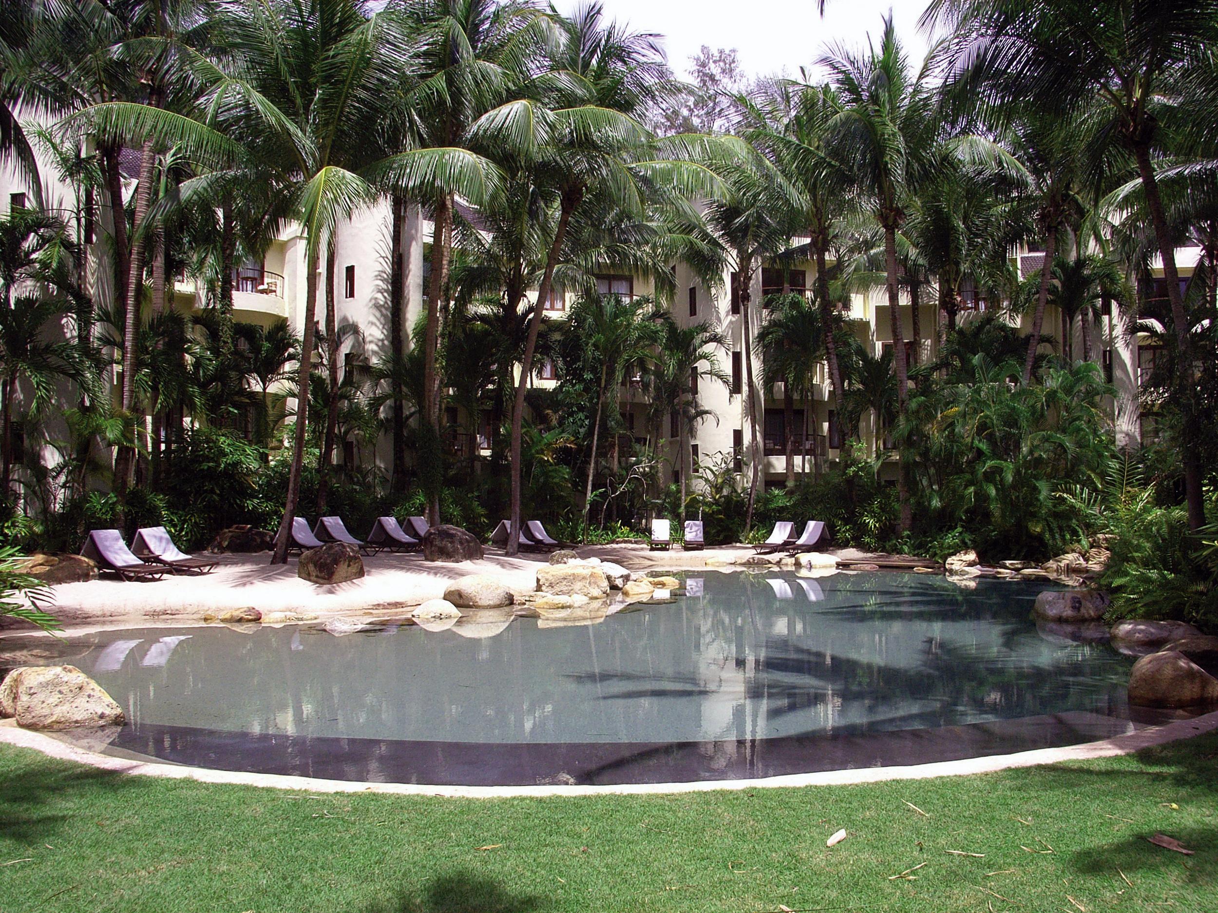 Garden hotel renovation