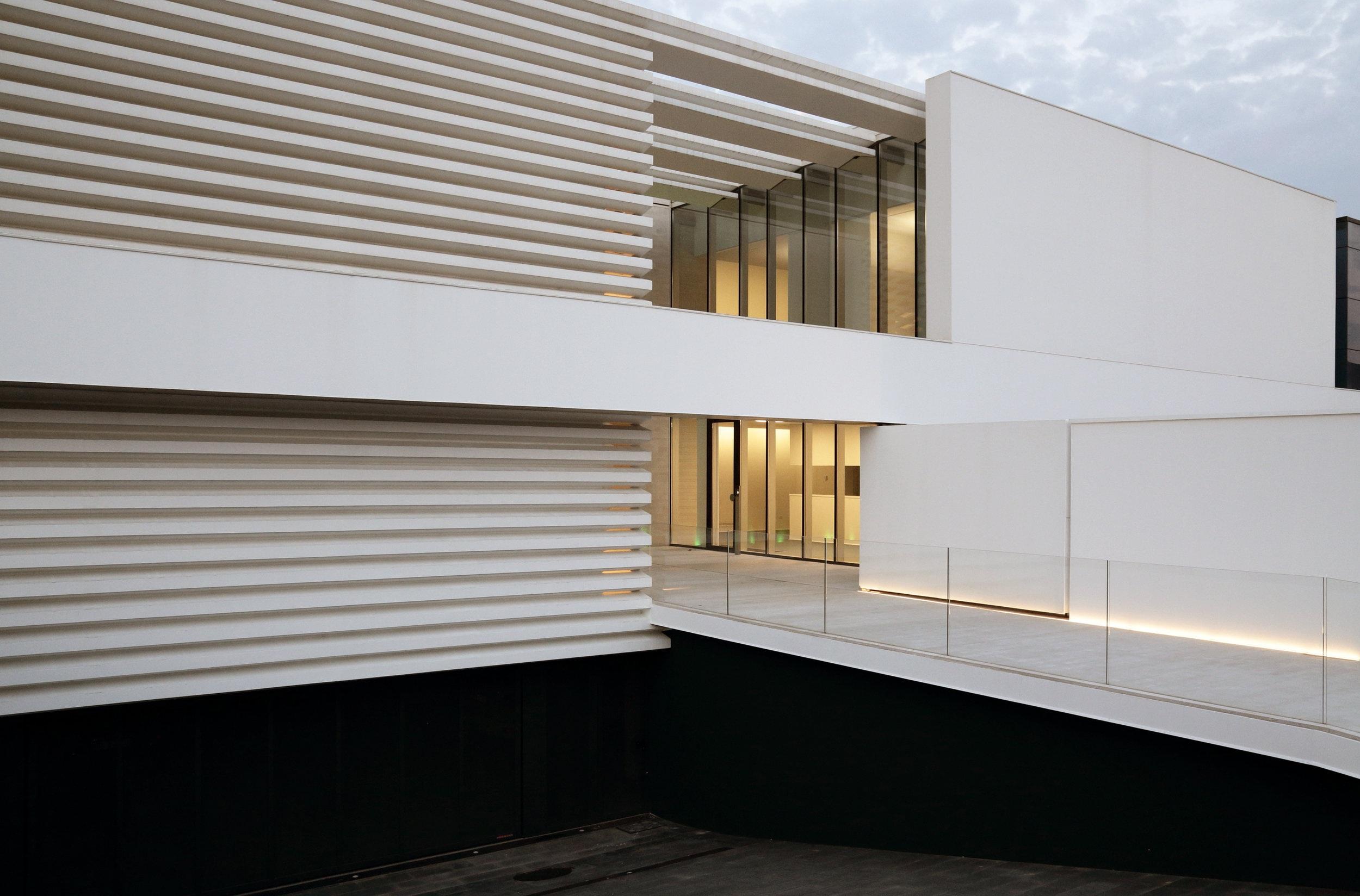 Sala Consilina Dental Clinic Entrance - street facade -