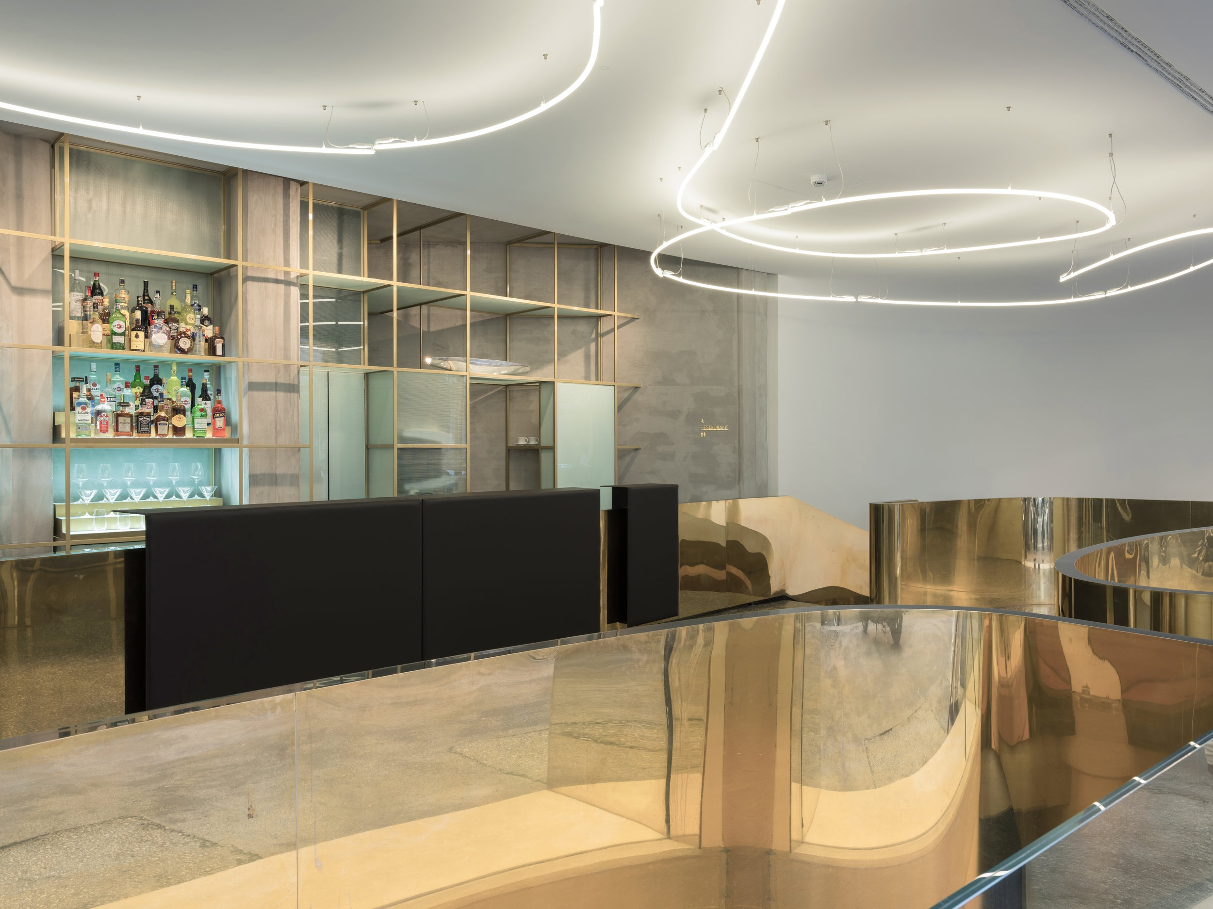 Hotel Royal Bissolati - reception and back counter of the bar -