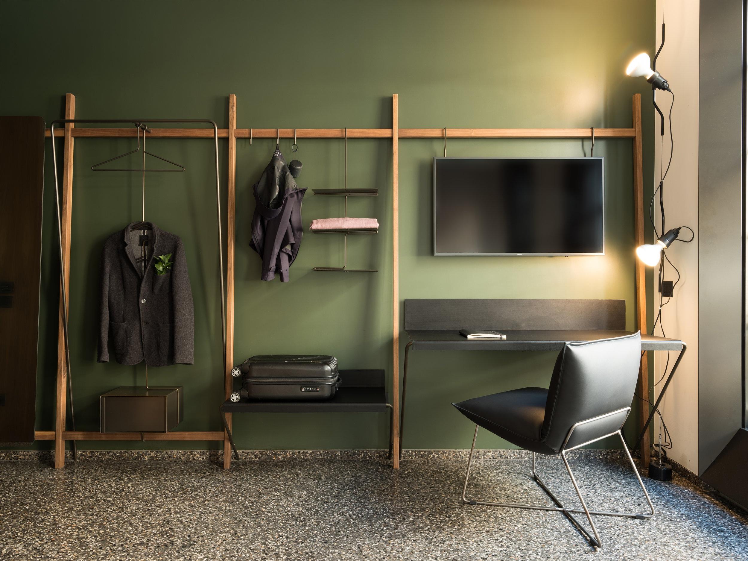 Truss - Room Interior -