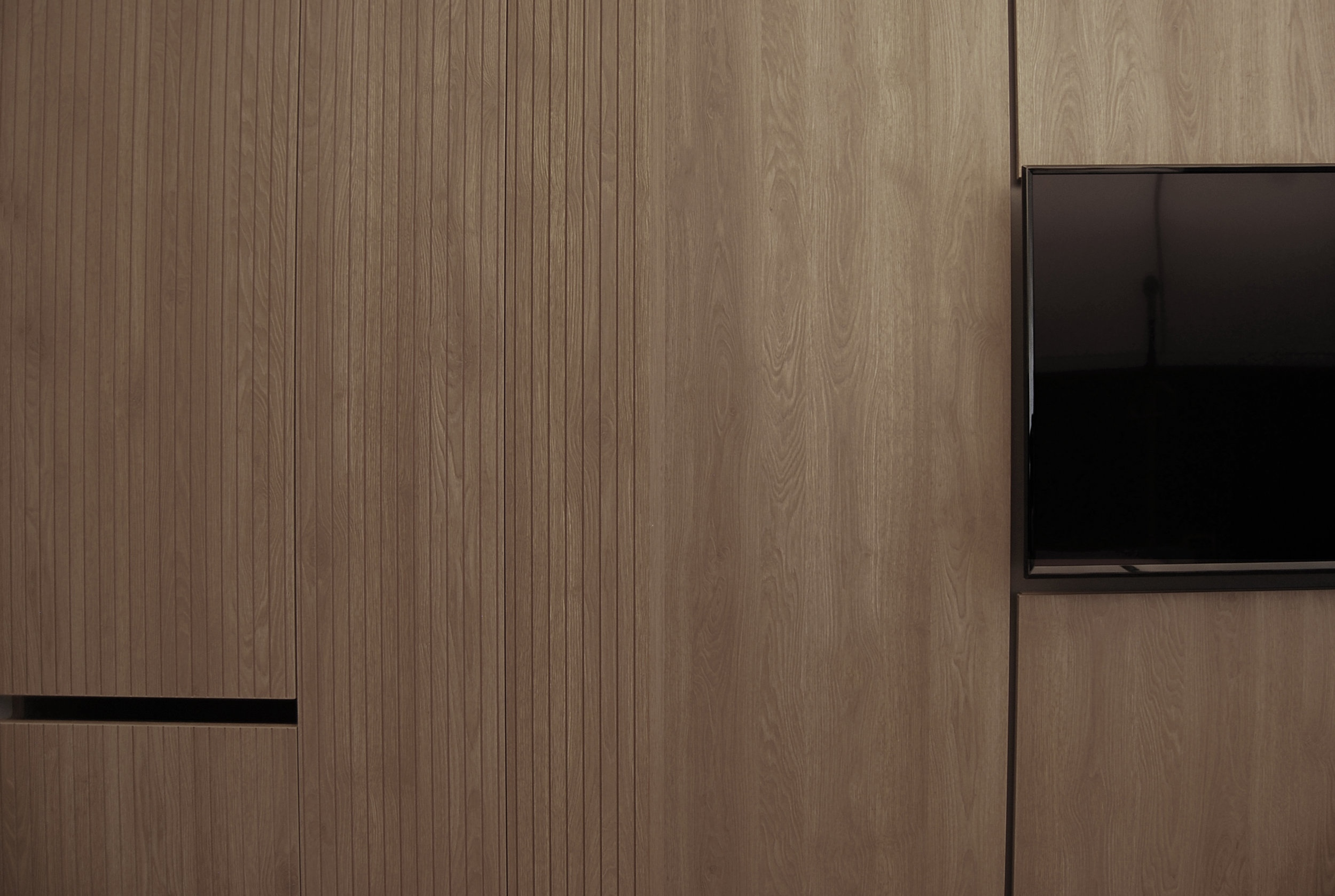 Salvator Mundi International Hospital Ensuite Room - wall detail -