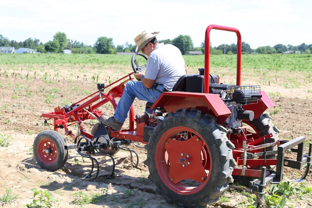 Based on the Allis Chalmers Model G, the Oggun tractor will begin manufacturing and sales in November.