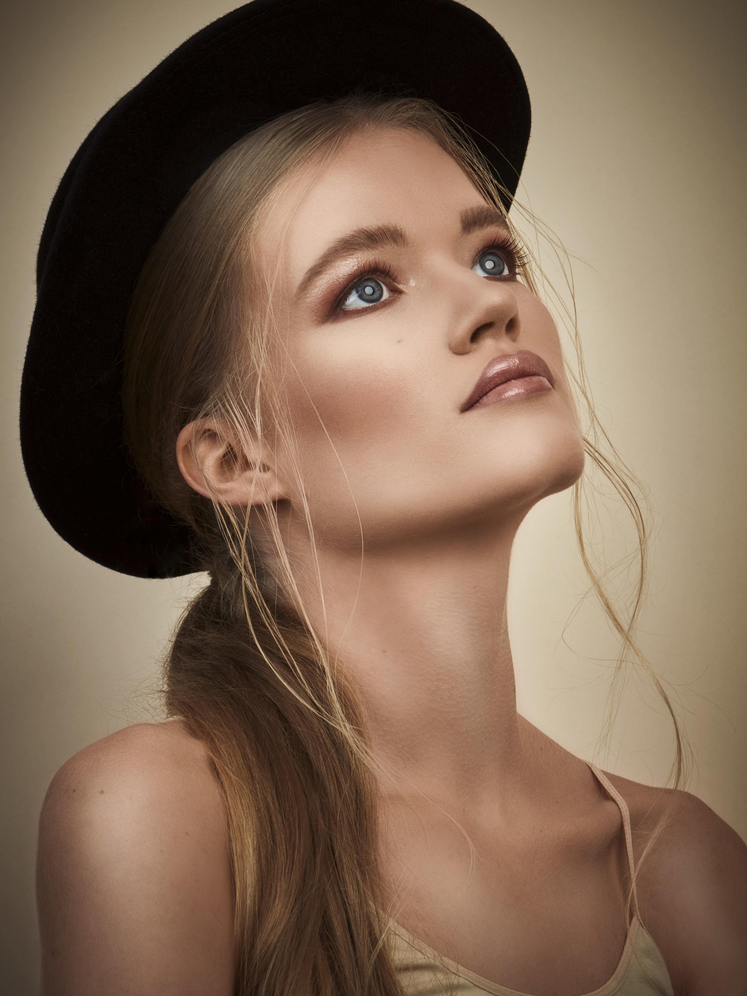 2018-10-02-Madelaine-beauty-portrait22327.jpg