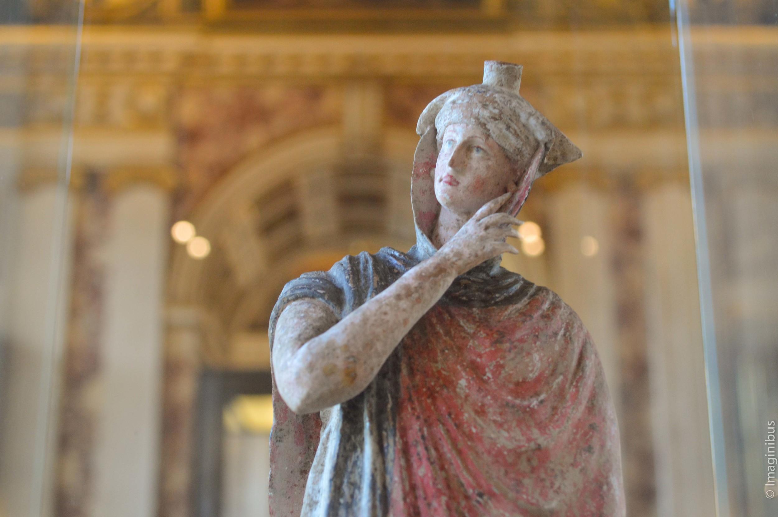 Louvre, Greek Terracotta Statue, Woman