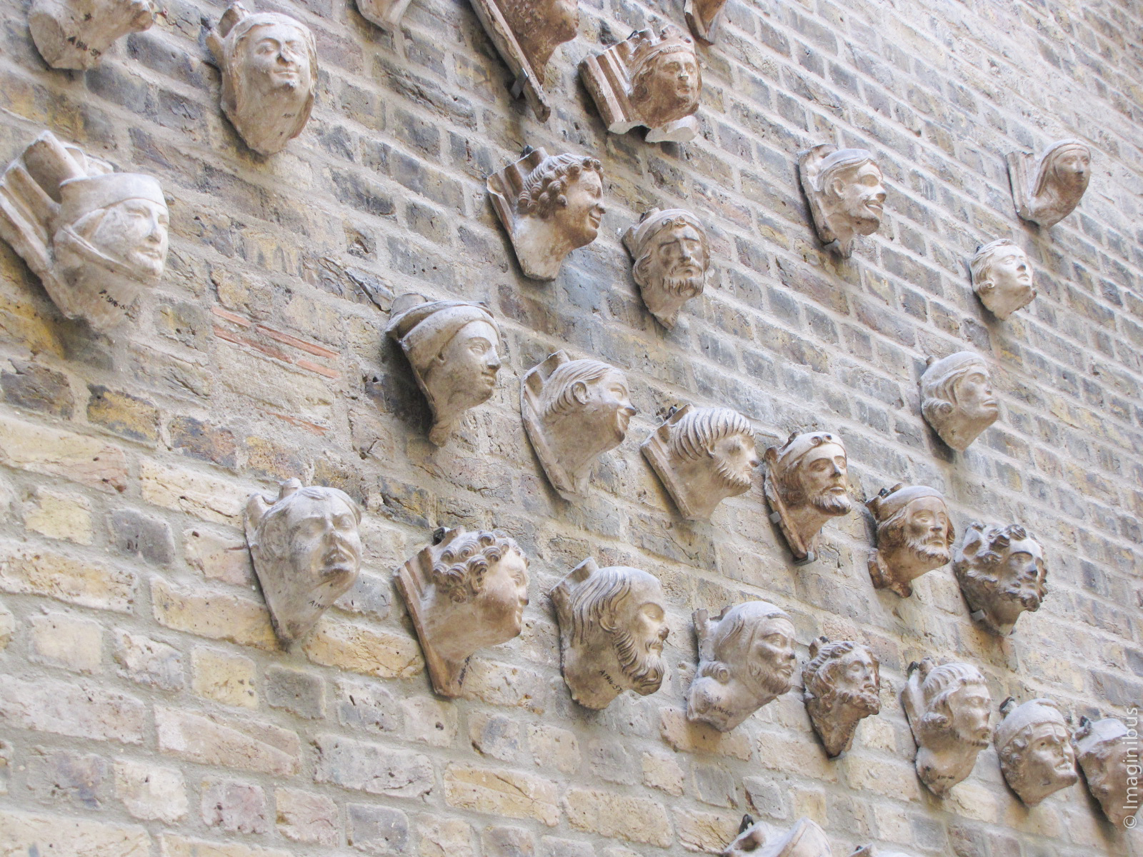 Victoria and Albert Museum, London, Heads