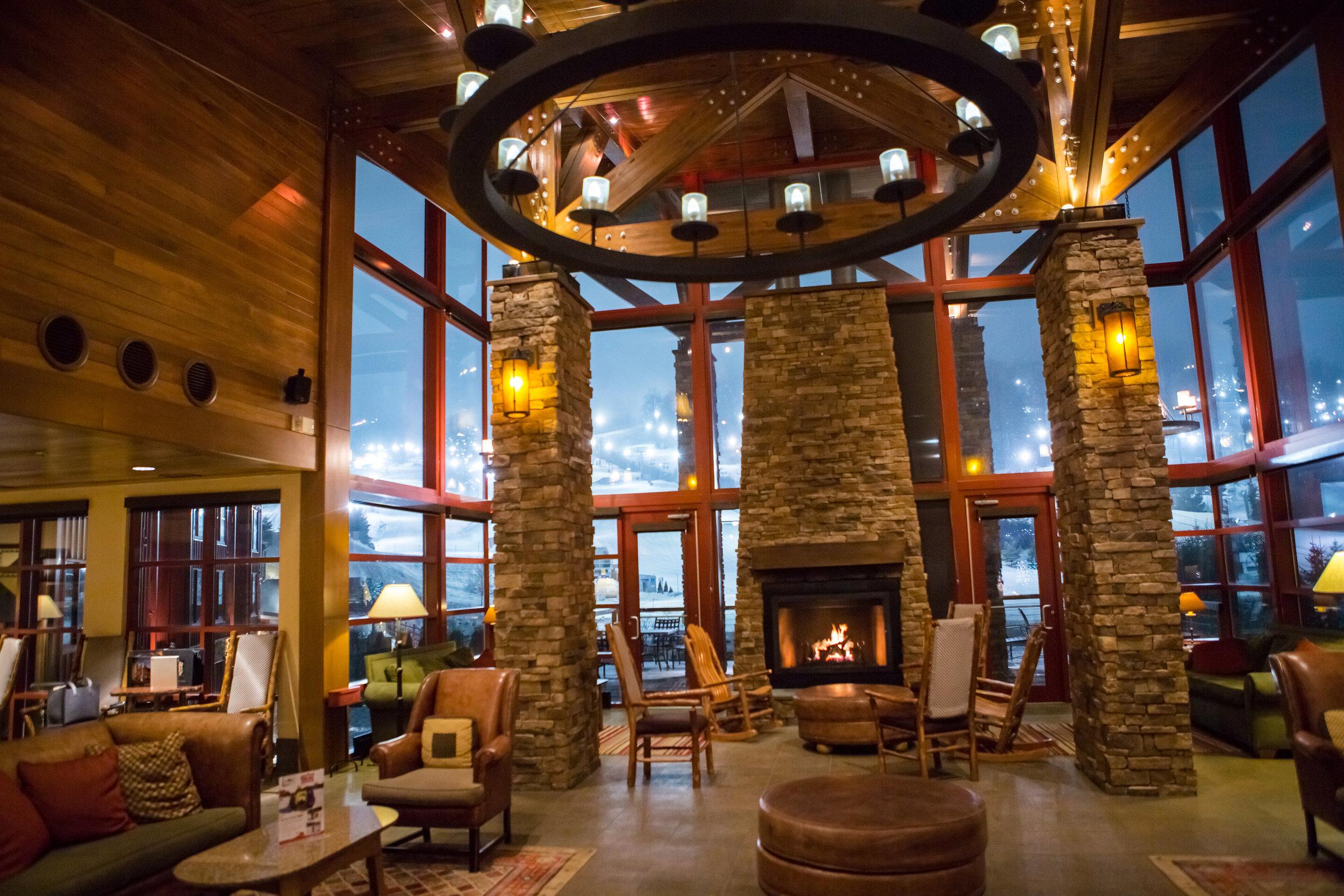 skiresortwedding-lobby