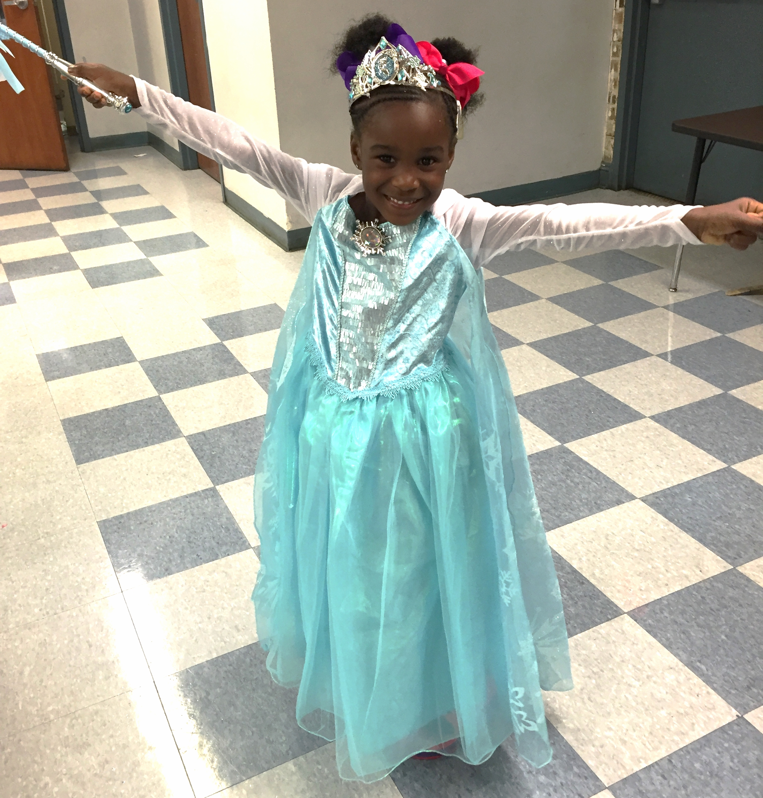 """Elsa"" at The Good Shepherd School on October 21, 2015"