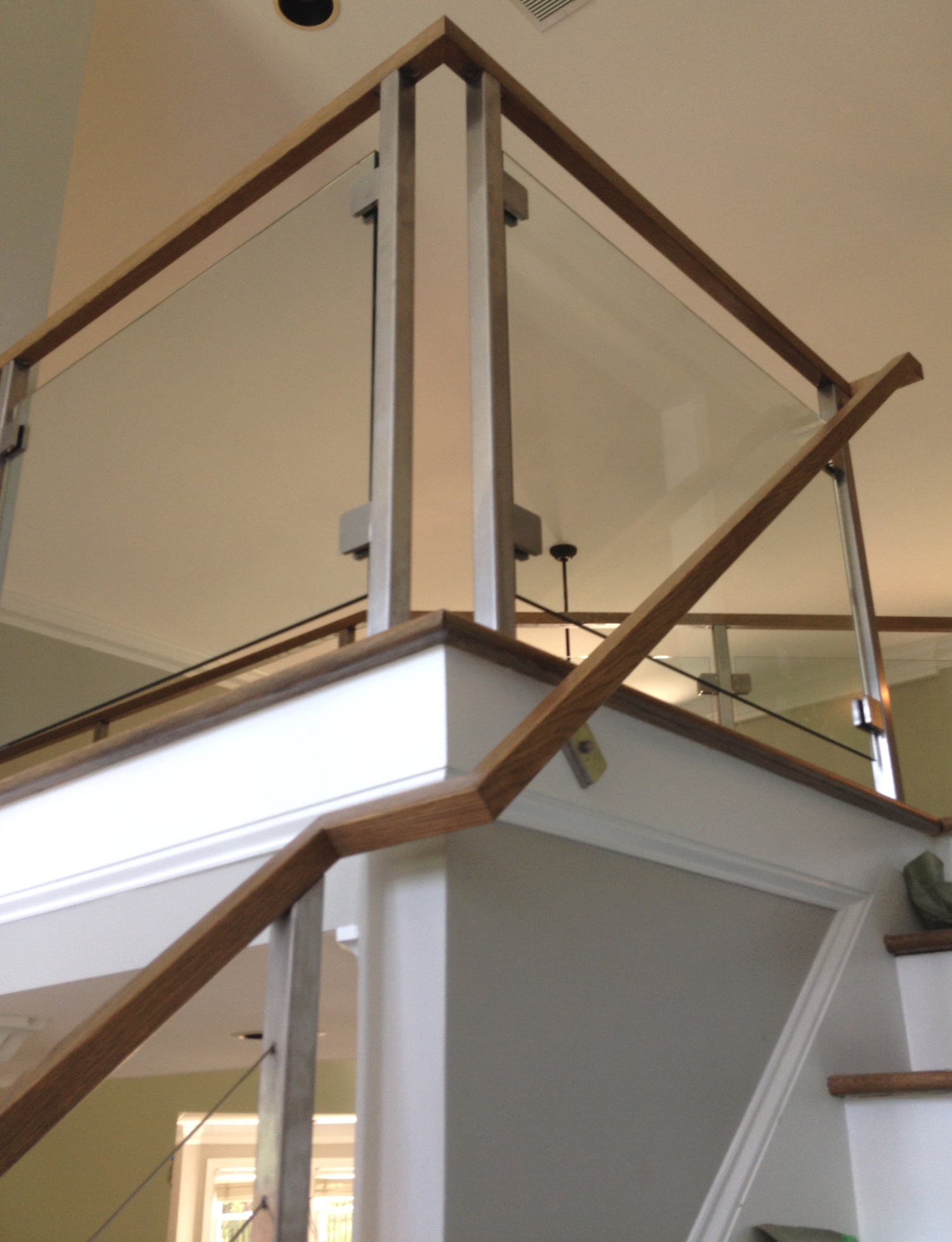 Stainless steel, glass and cable railing