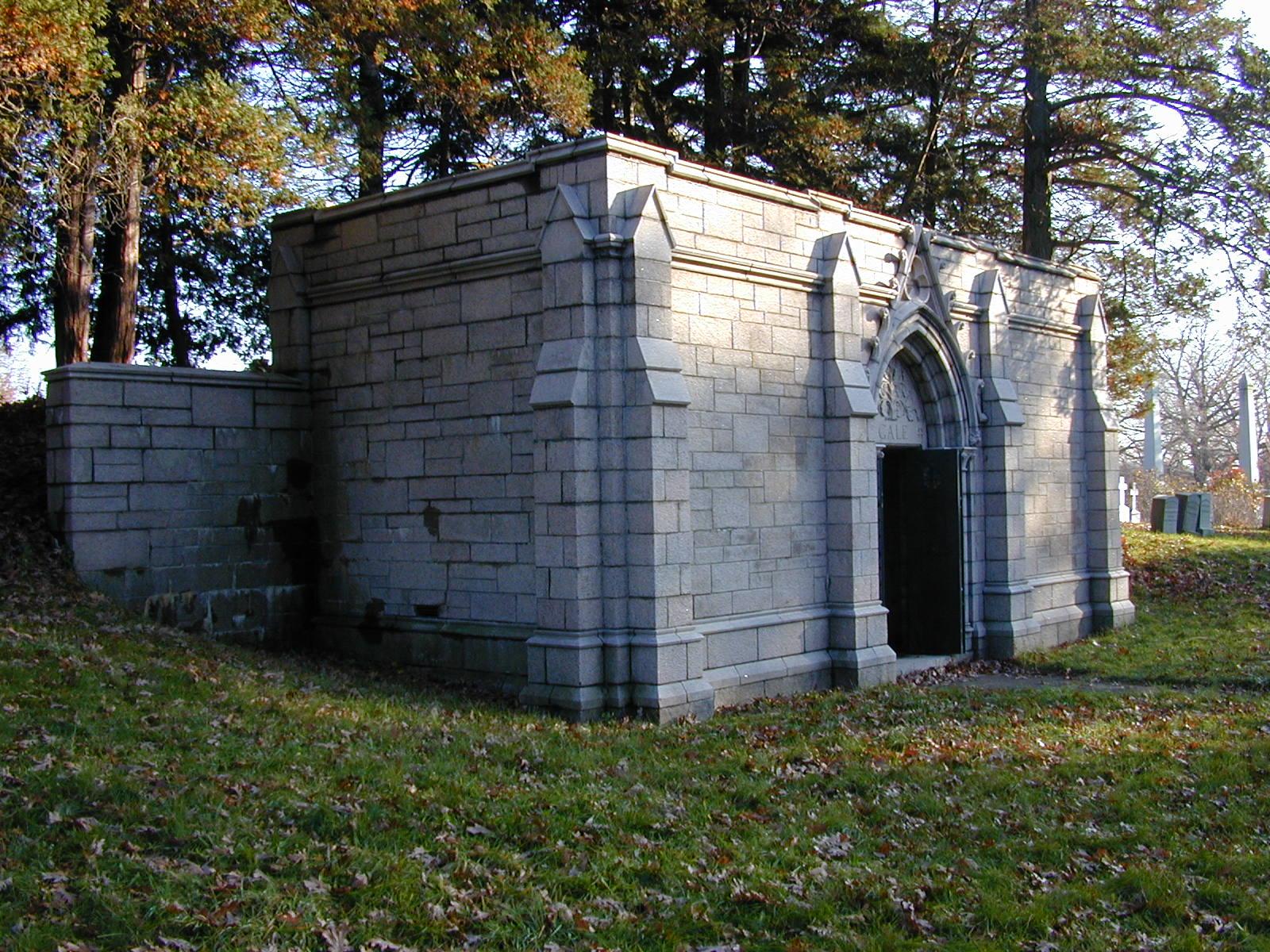 Gale Mausoleum side.JPG