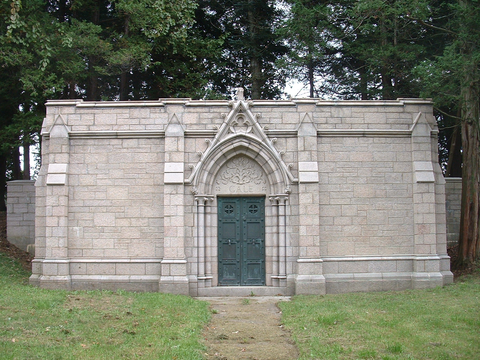 Gale Mausoleum                           Troy, NY: 2002