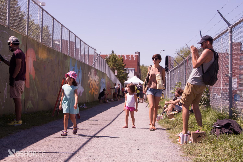 chemin-vert_ashop_a'shop_mural_murales_graffiti_street_art_montreal_paint_eman_vlooper_alaclair-ensemble_12_WEB.jpg