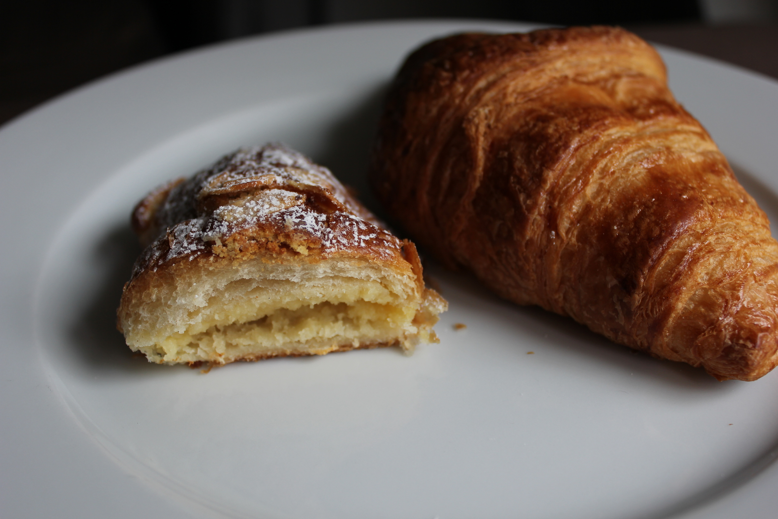 Grandma Marion's Almond Cake tastes like the inside of an almond croissant - www.fancycasual.com