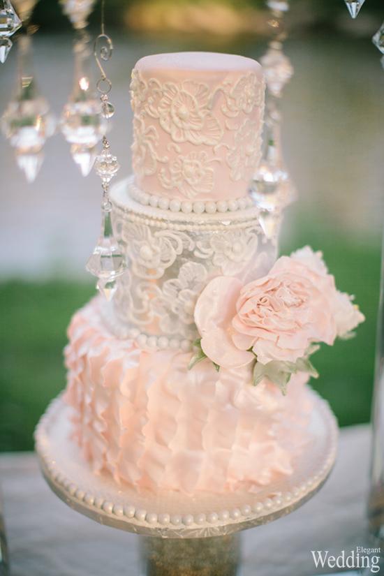 550x825xELEGANT-WEDDING-CAKE-WHITE-PINK-DESIGN-FLOWER.jpg.pagespeed.ic.89TzIeLchQ.jpg