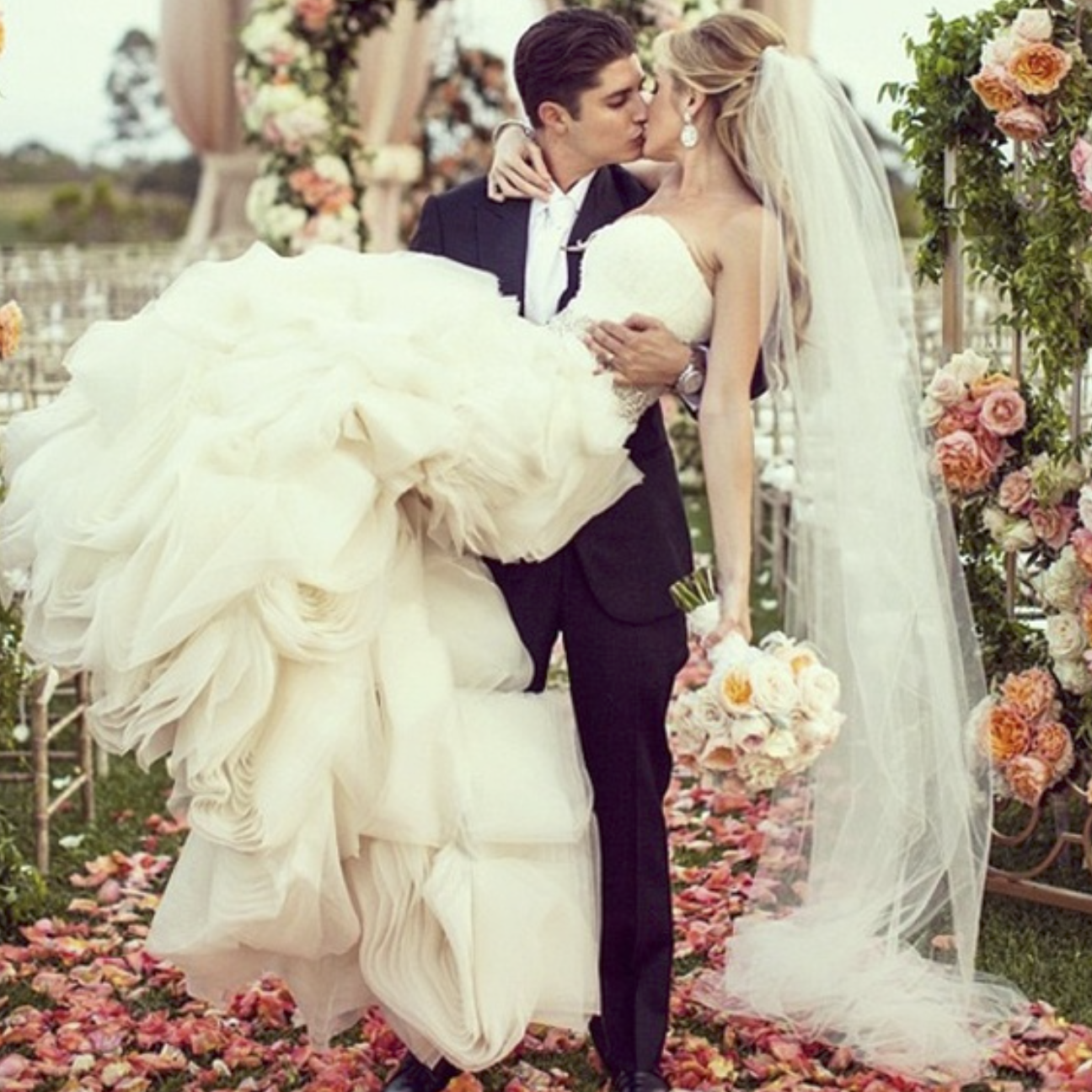 Photo: weddingpartyapp.com