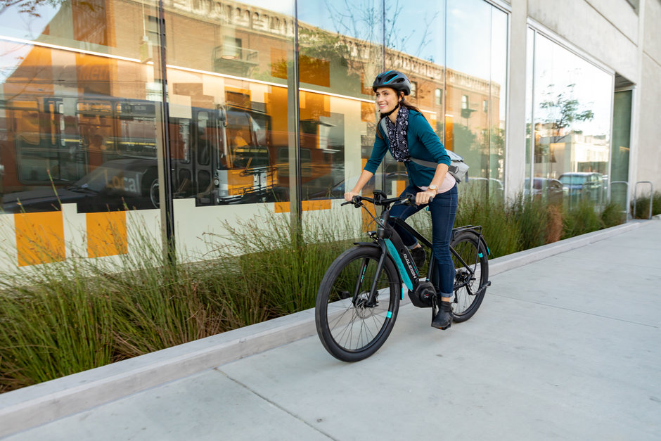 Faraday Electric Bike, Piccadilly Cycles, Ashland, Oregon