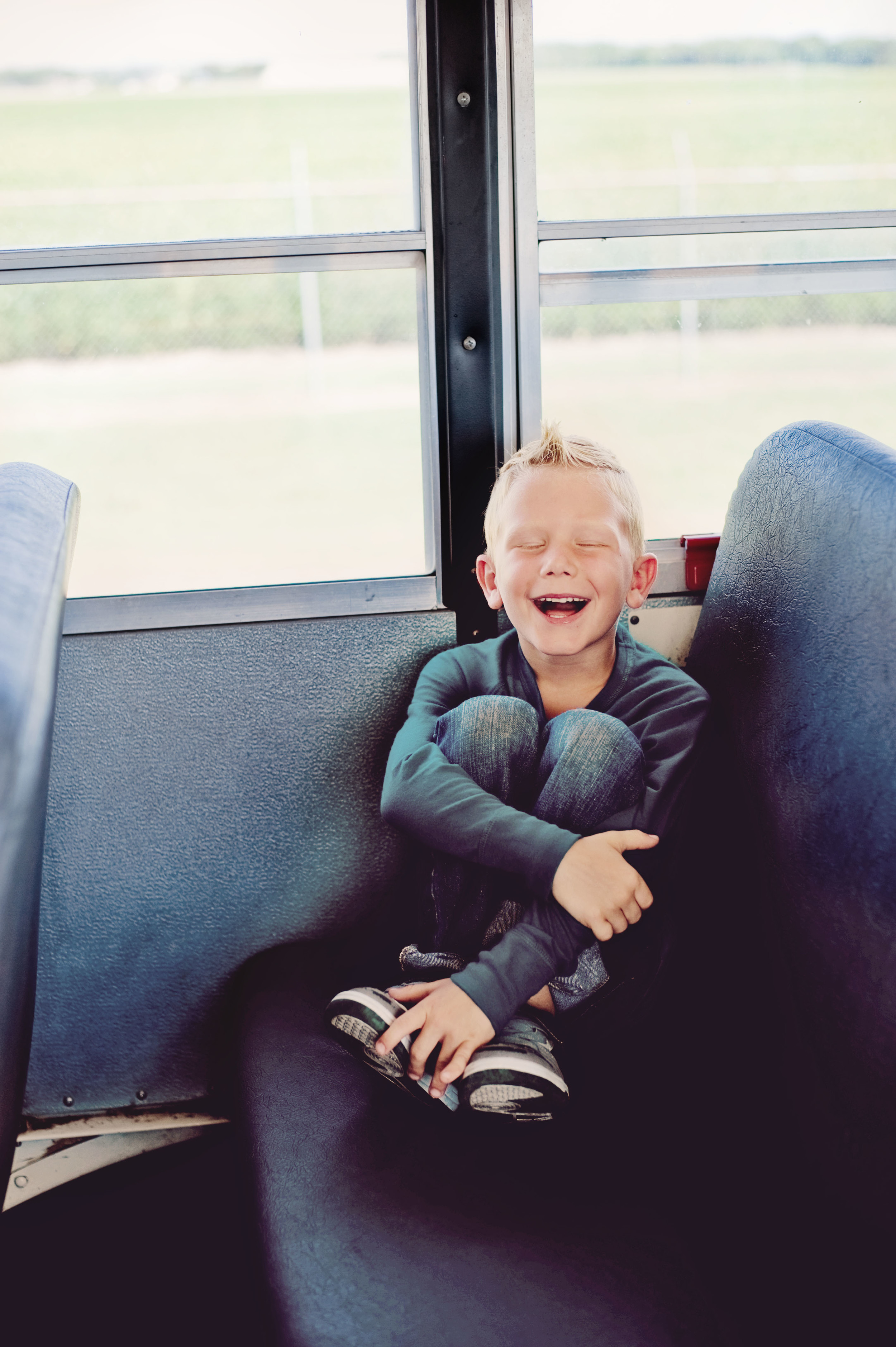 school bus mini photo sessions
