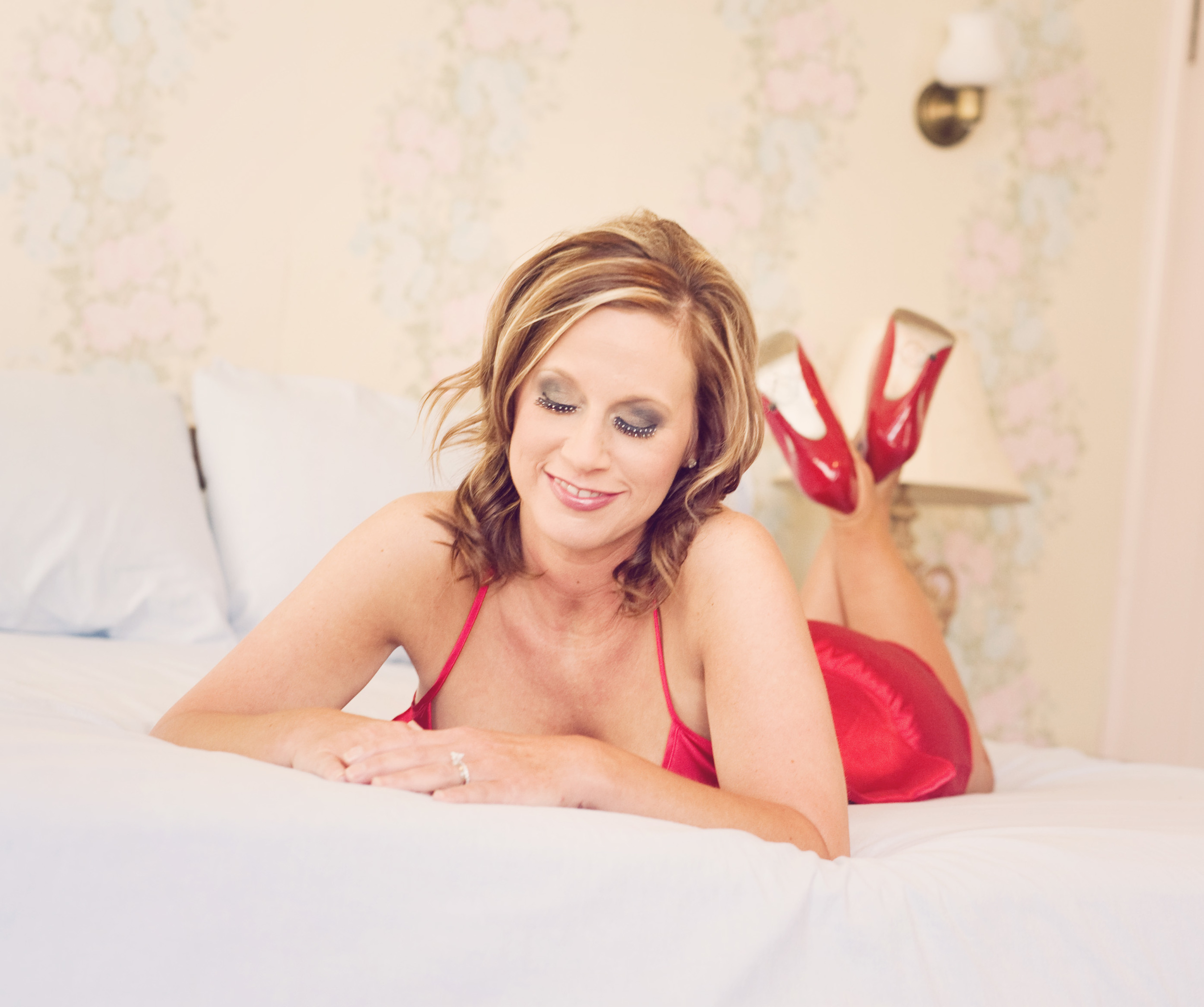red high heels boudoir