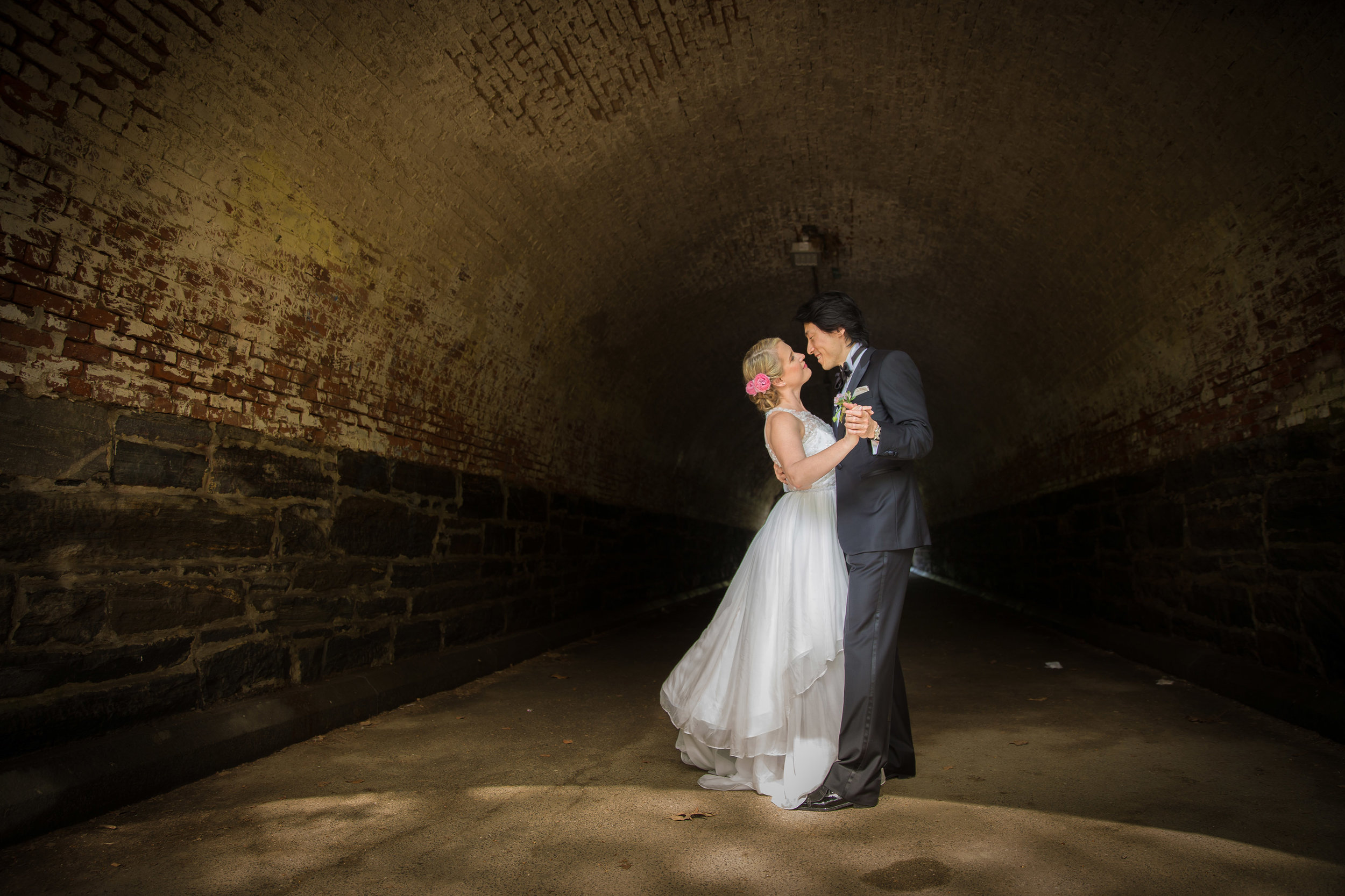 victorious-events-nyc-011-colleen-taka-central-park-zoo-wedding-raymond-hamlin.jpg
