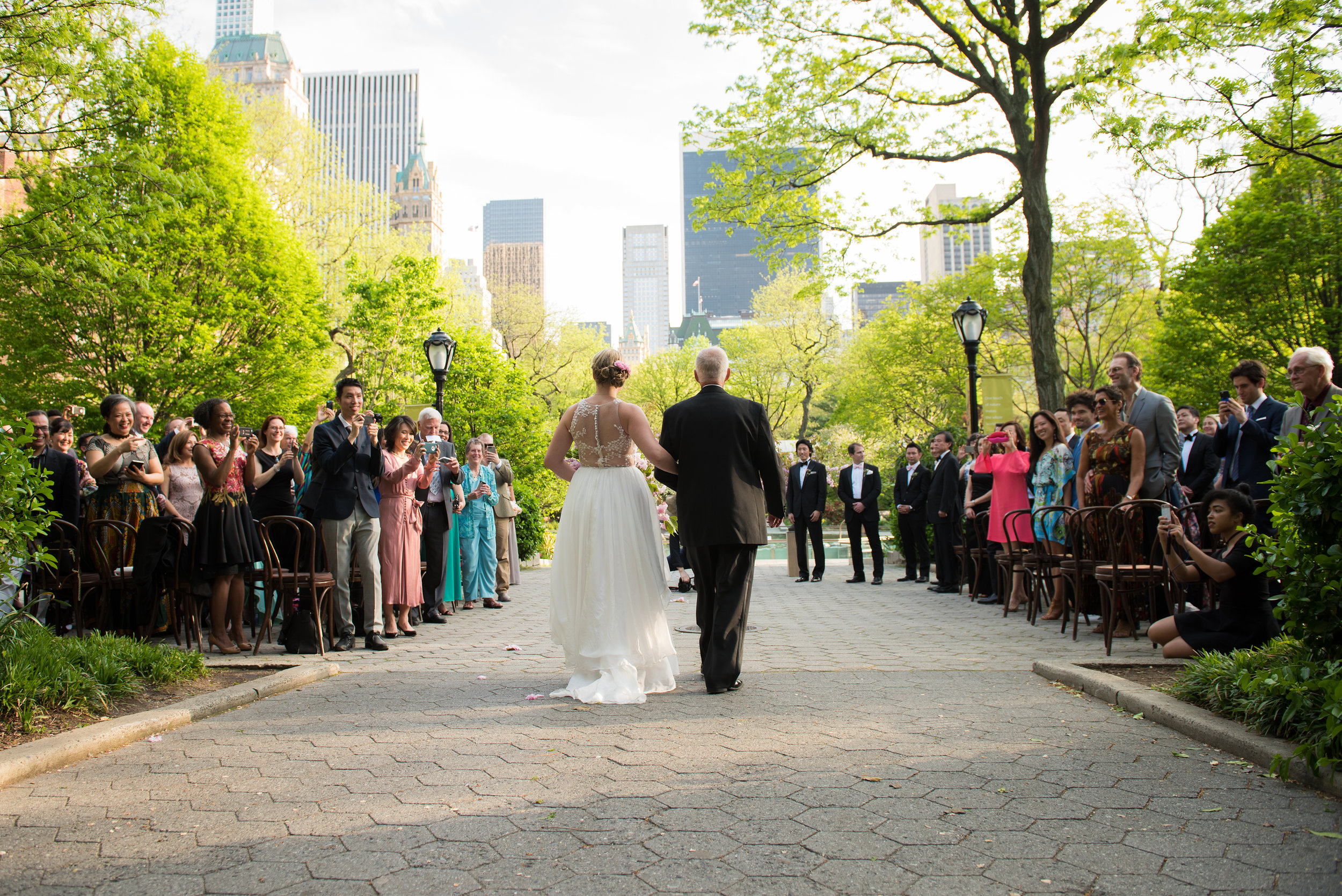 victorious-events-nyc-020-colleen-taka-central-park-zoo-wedding-raymond-hamlin.jpg