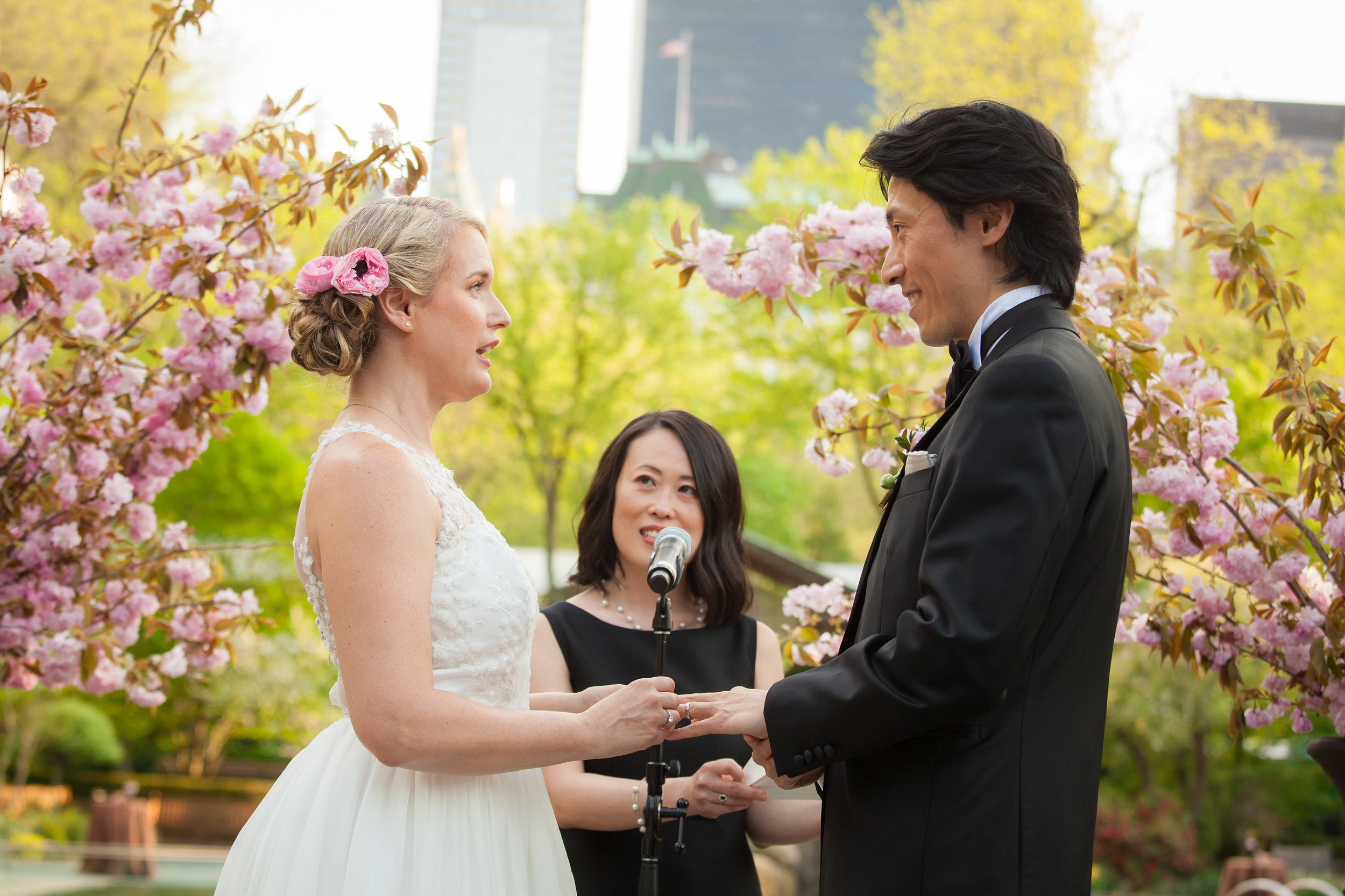 victorious-events-nyc-023-colleen-taka-central-park-zoo-wedding-raymond-hamlin.jpg