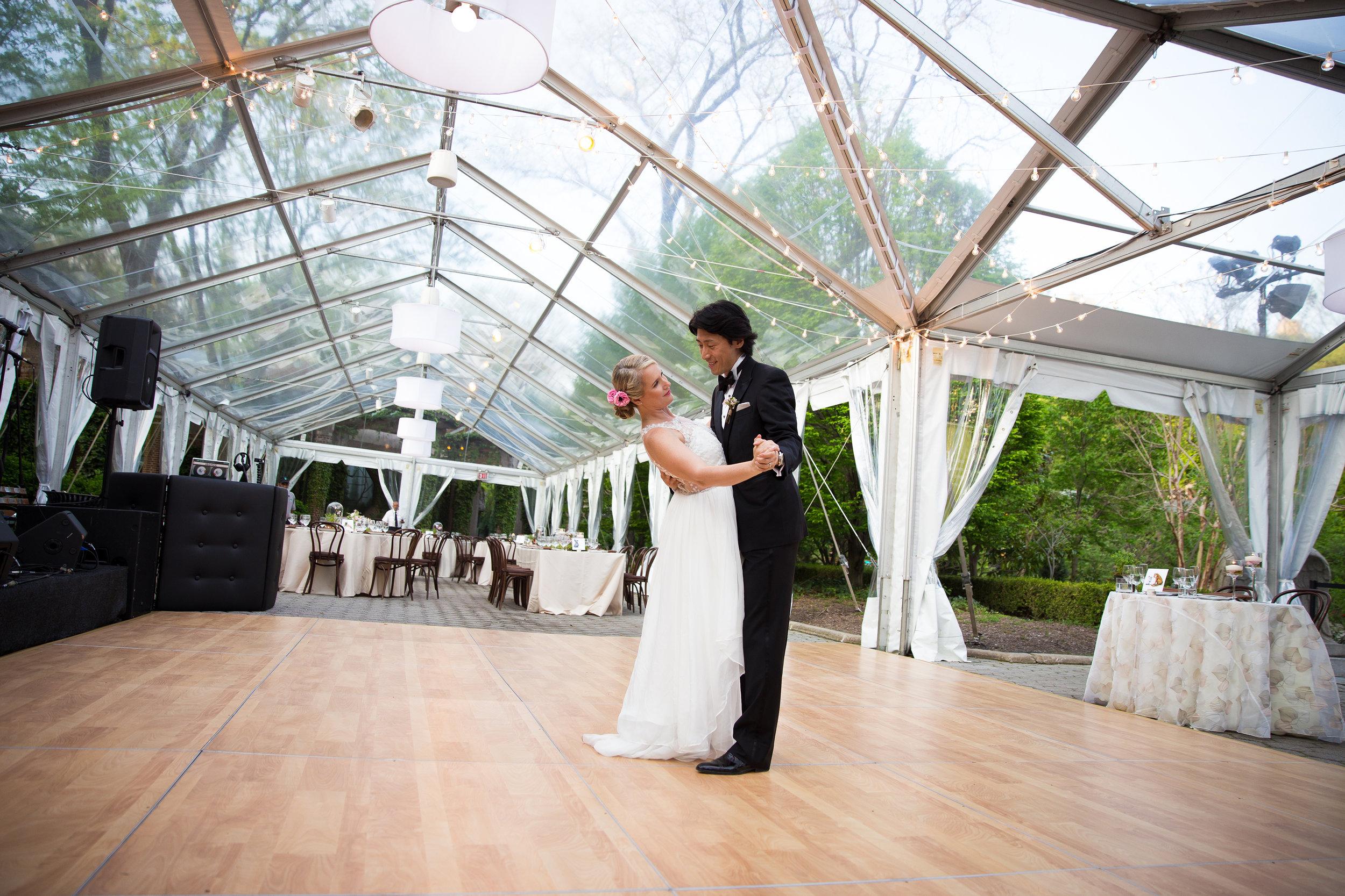 victorious-events-nyc-028-colleen-taka-central-park-zoo-wedding-raymond-hamlin.jpg
