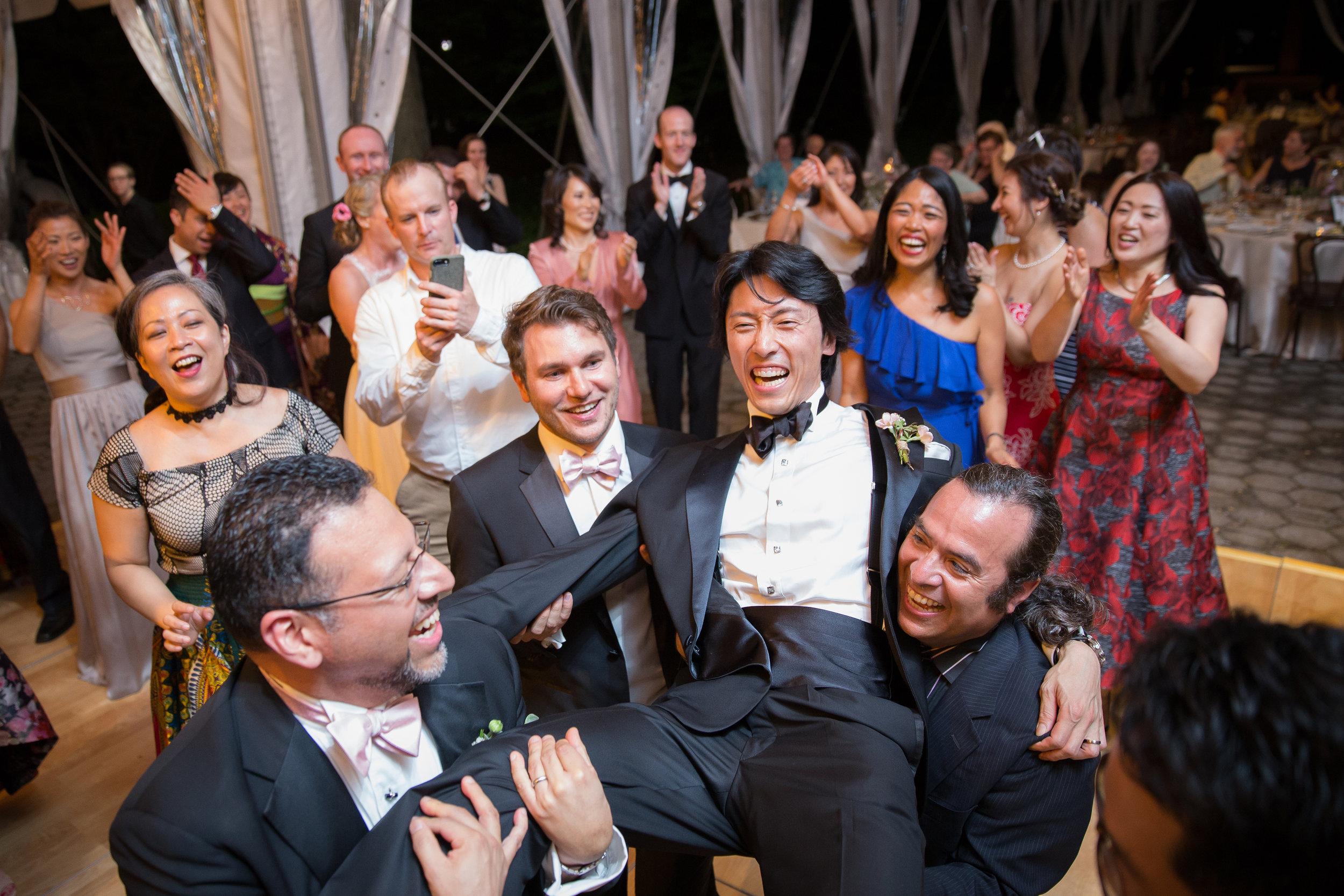 victorious-events-nyc-034-colleen-taka-central-park-zoo-wedding-raymond-hamlin.jpg