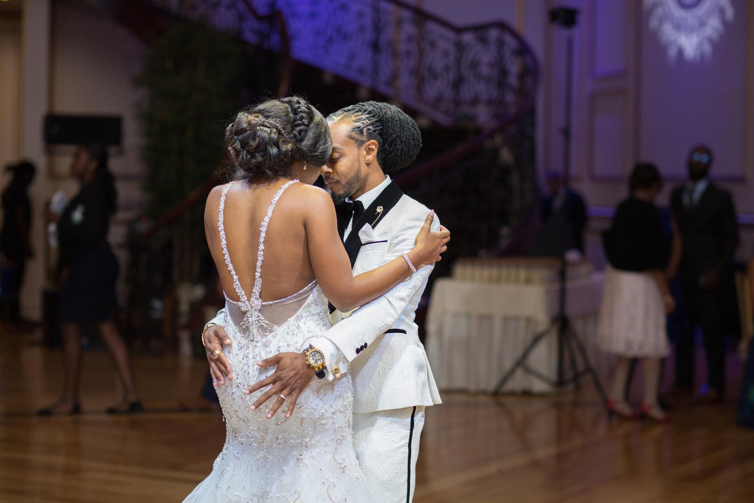victorious-events-nyc-028-romie-kamali-tides-estate-wedding-nana-annan.jpg