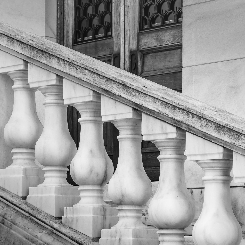 arlington-cemetery-stairway.jpg