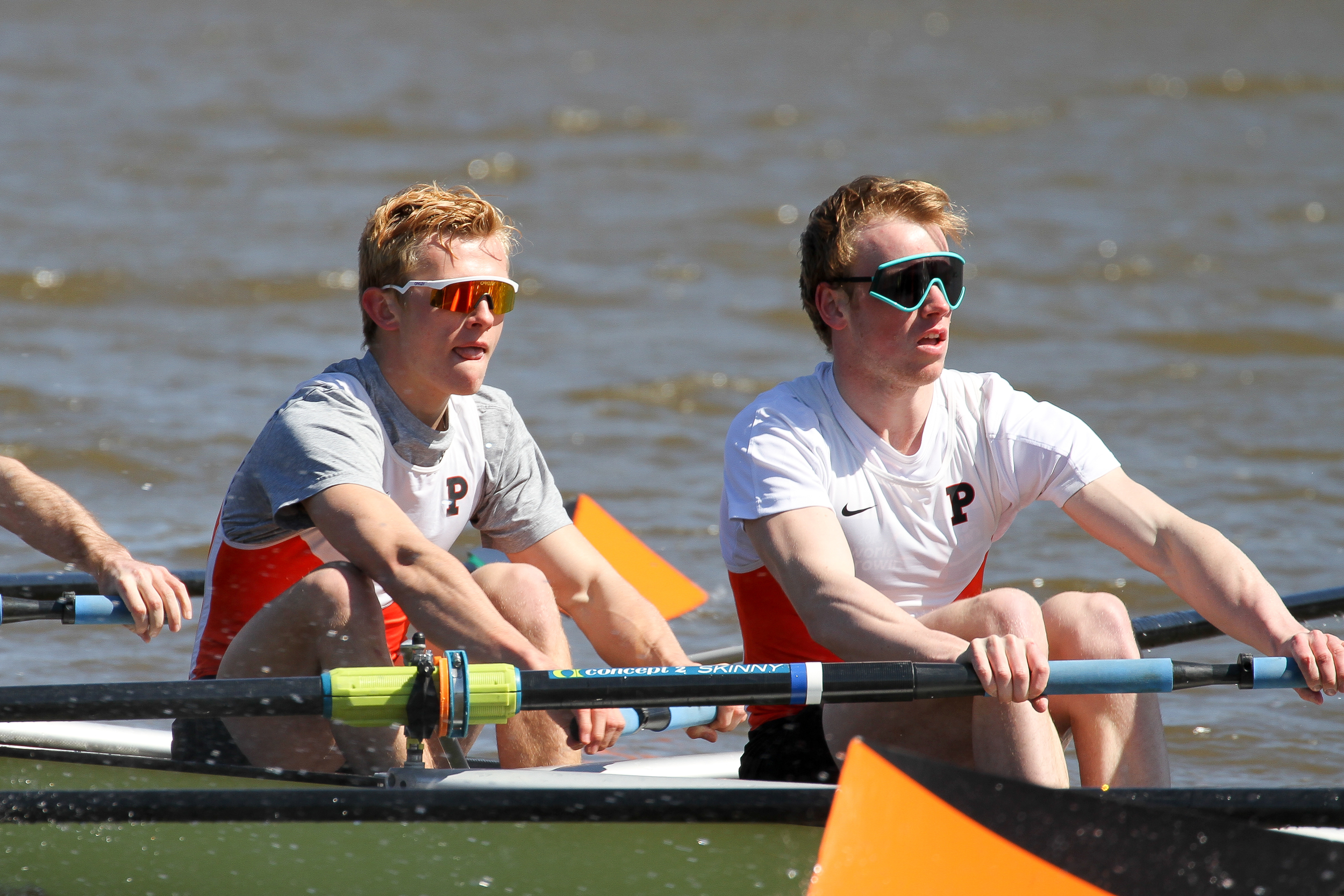 James Goble '18 and Cam Howie '16 row in the Lightweight Men's 1V