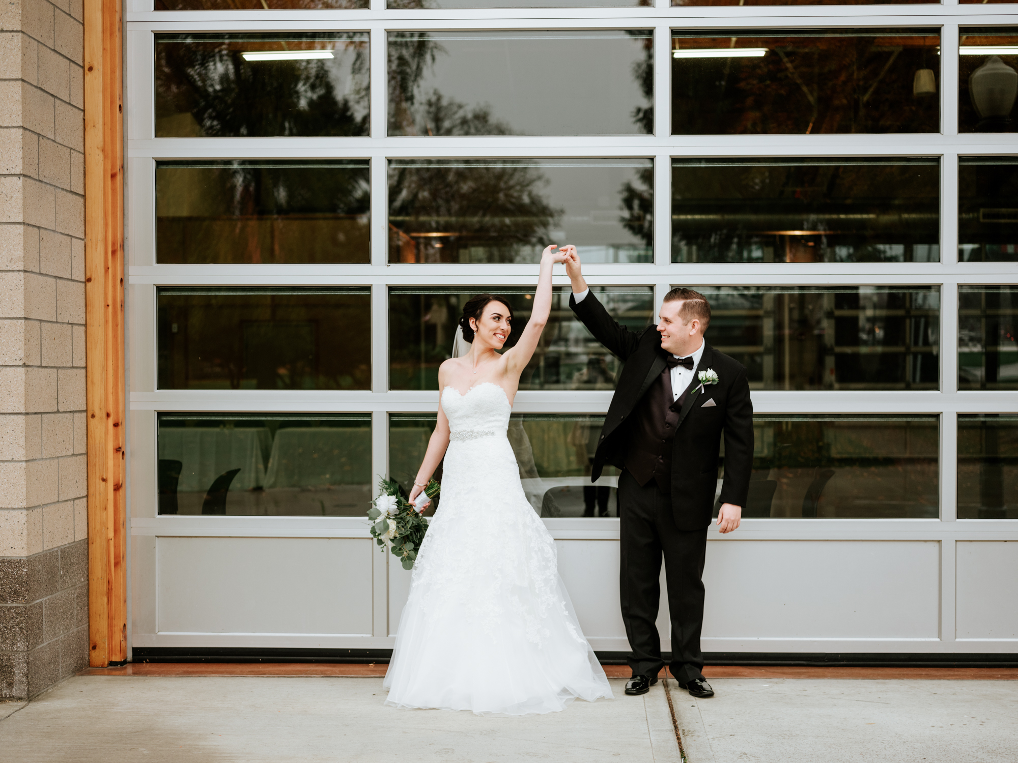 Stolen Glimpses Seattle Wedding Photographers 31.jpg