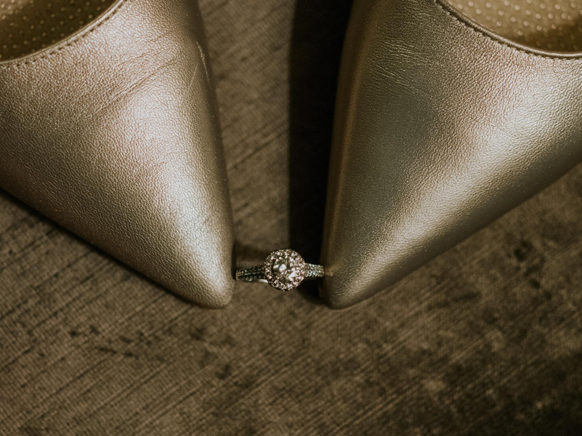 Stolen Glimpses Seattle Wedding Photographers 5.jpg
